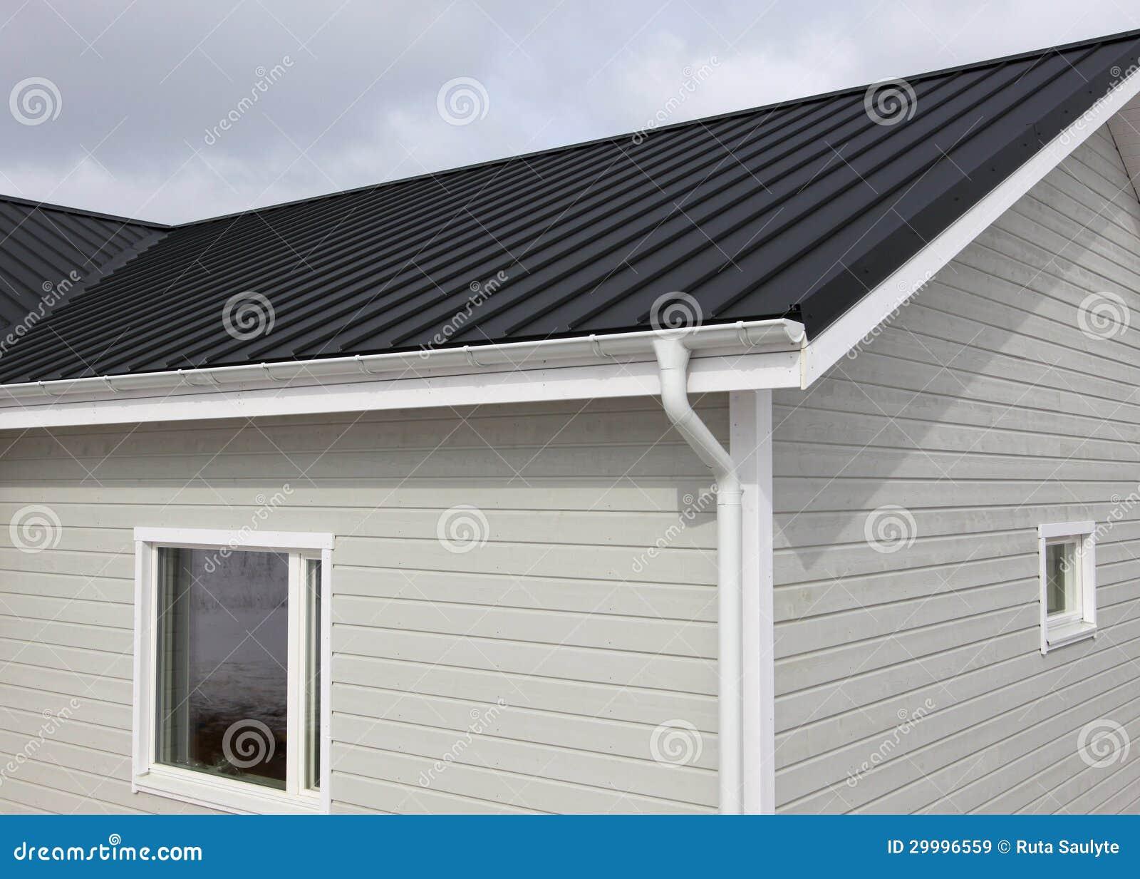 maison en bois images libres de droits image 29996559