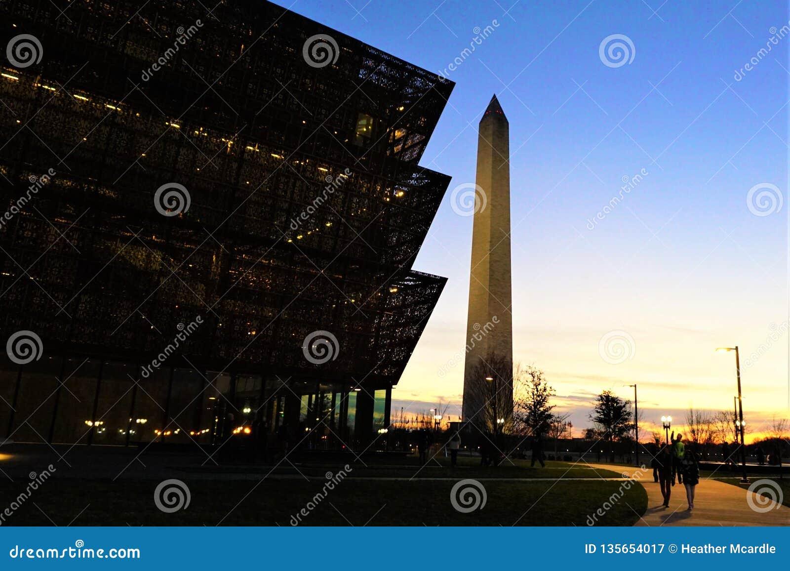 Museo afroamericano de Smithsonian y de Washington Monument
