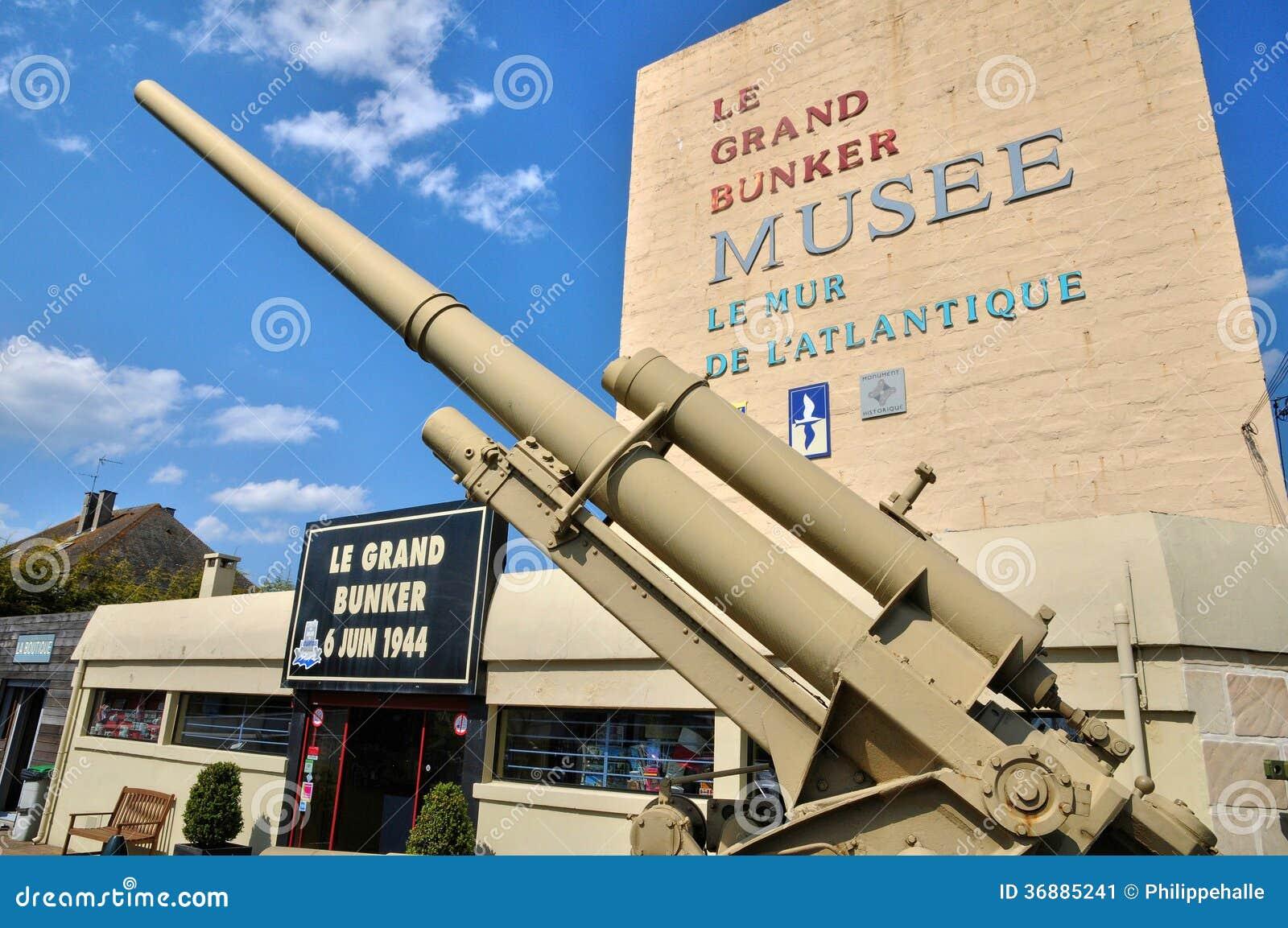 Download Museo Di Le Grand Bunker In Ouistreham In Normandie Immagine Stock - Immagine di cannone, europa: 36885241