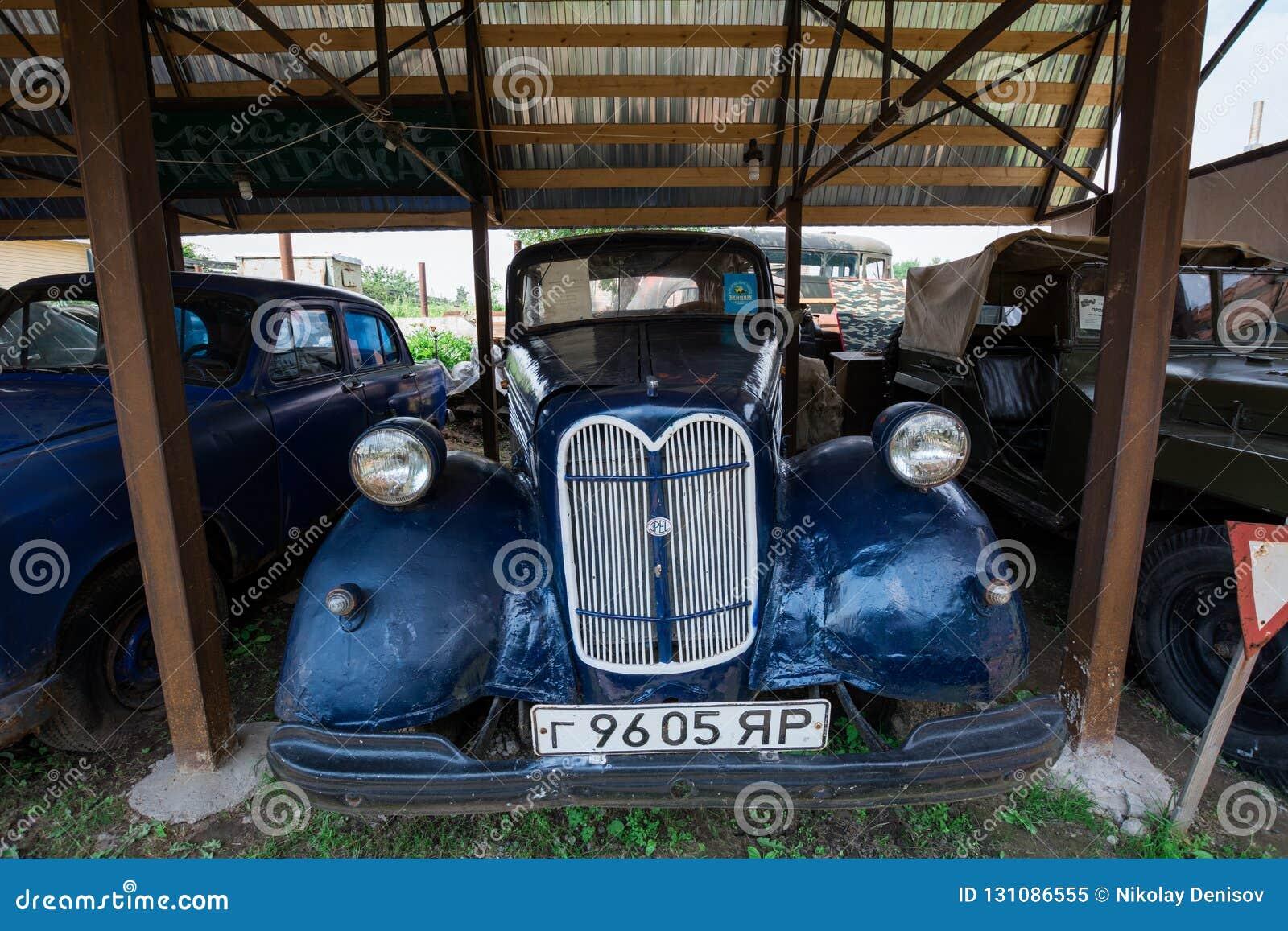 Museum von Retro- Autos: Opel Super6