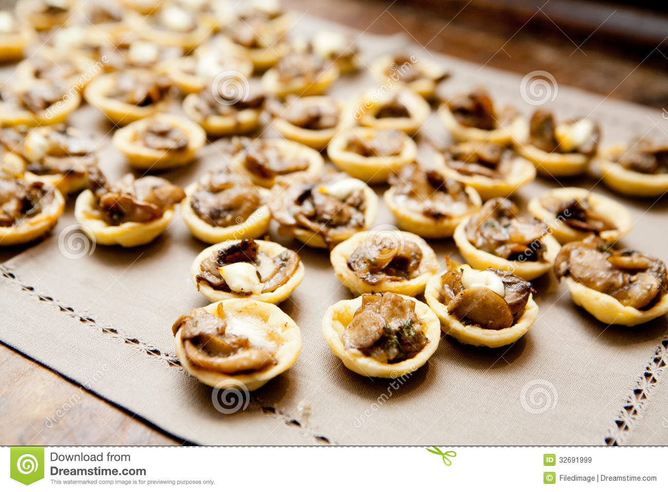 Mushroom canape royalty free stock images image 32691999 for Canape examples
