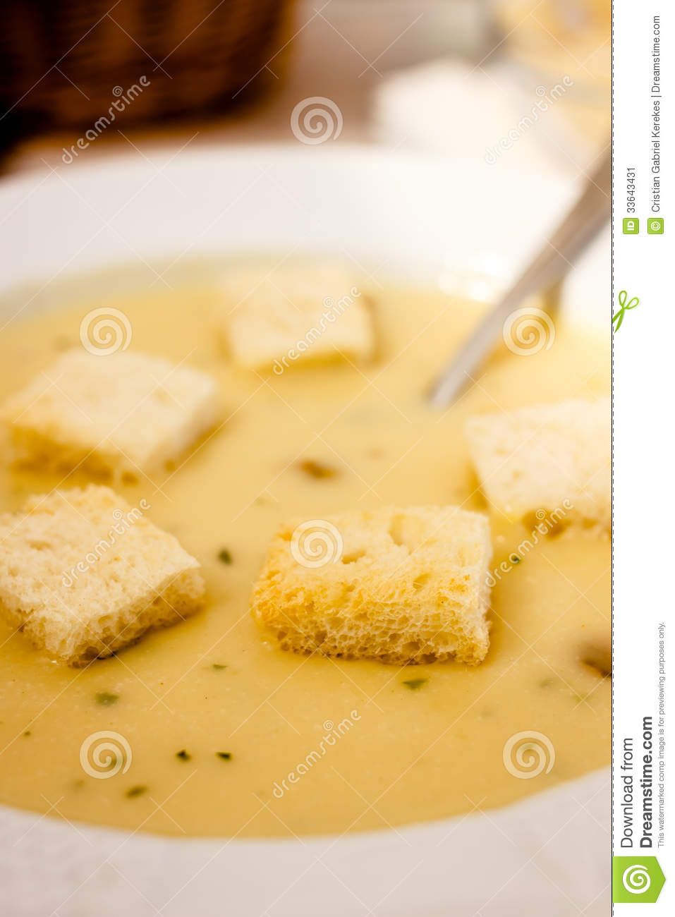 how to make croutons from white bread
