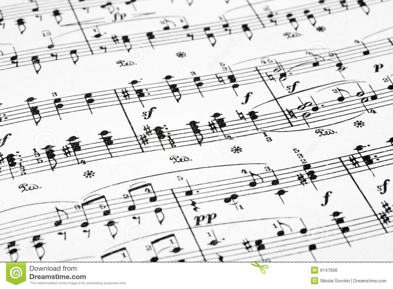 Sheet Music Plus takes music very seriously. It's the world's largest seller of sheet music, with more than 1 million pieces available online in both digital and physical versions.