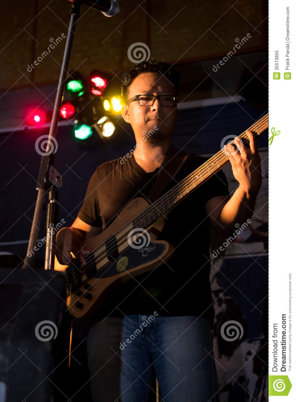 how to play travelin band bass