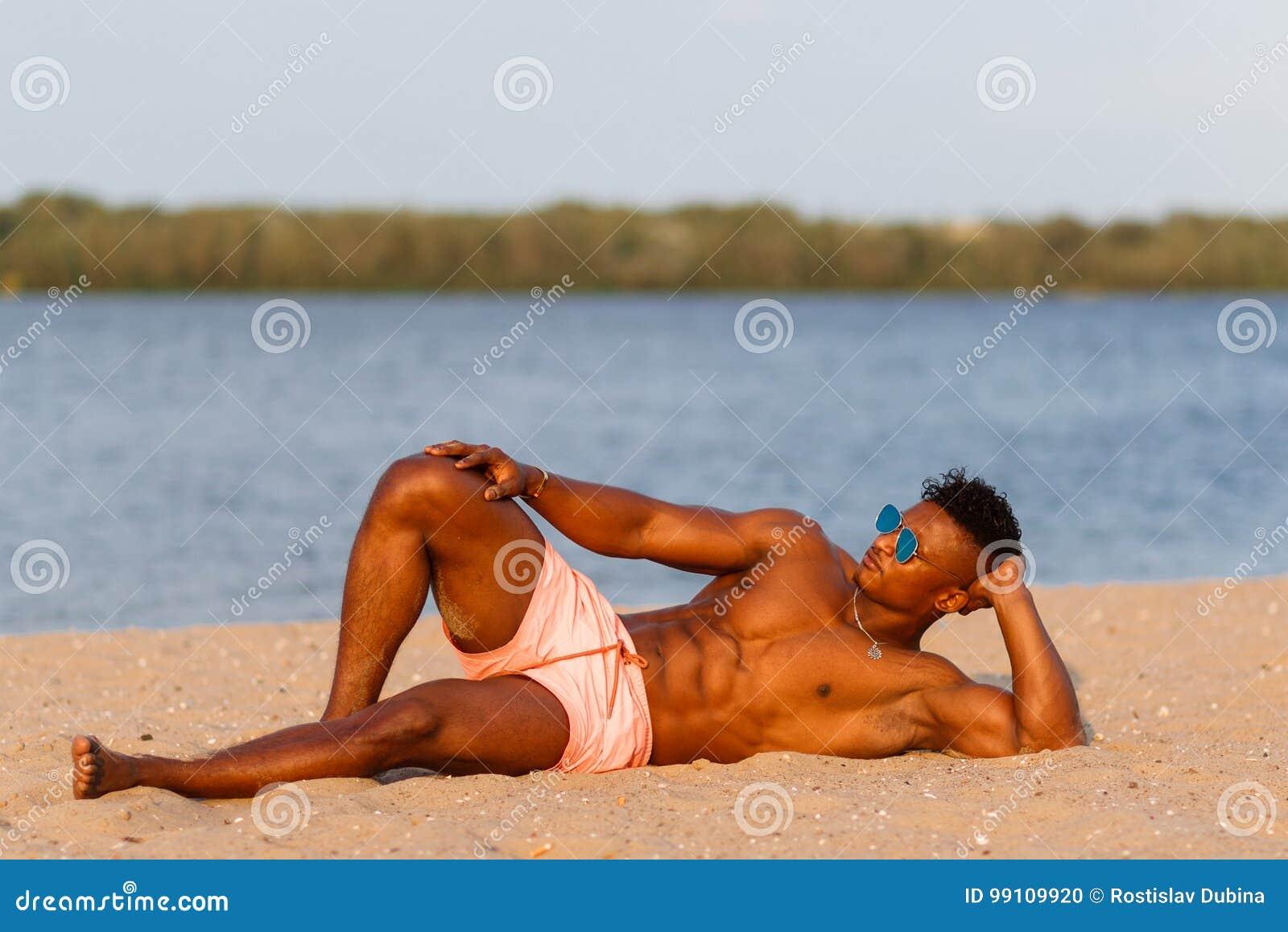 Naken strand modeller