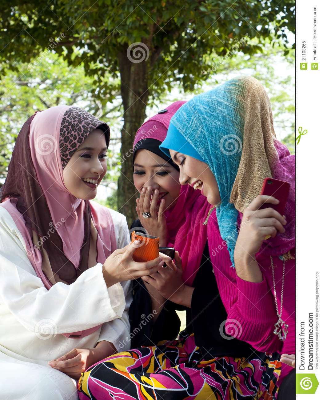 parks single muslim girls 16 struggles every muslim girl will understand muslim girls can't have male friends or even talk to guys without someone assuming we're dating 10.