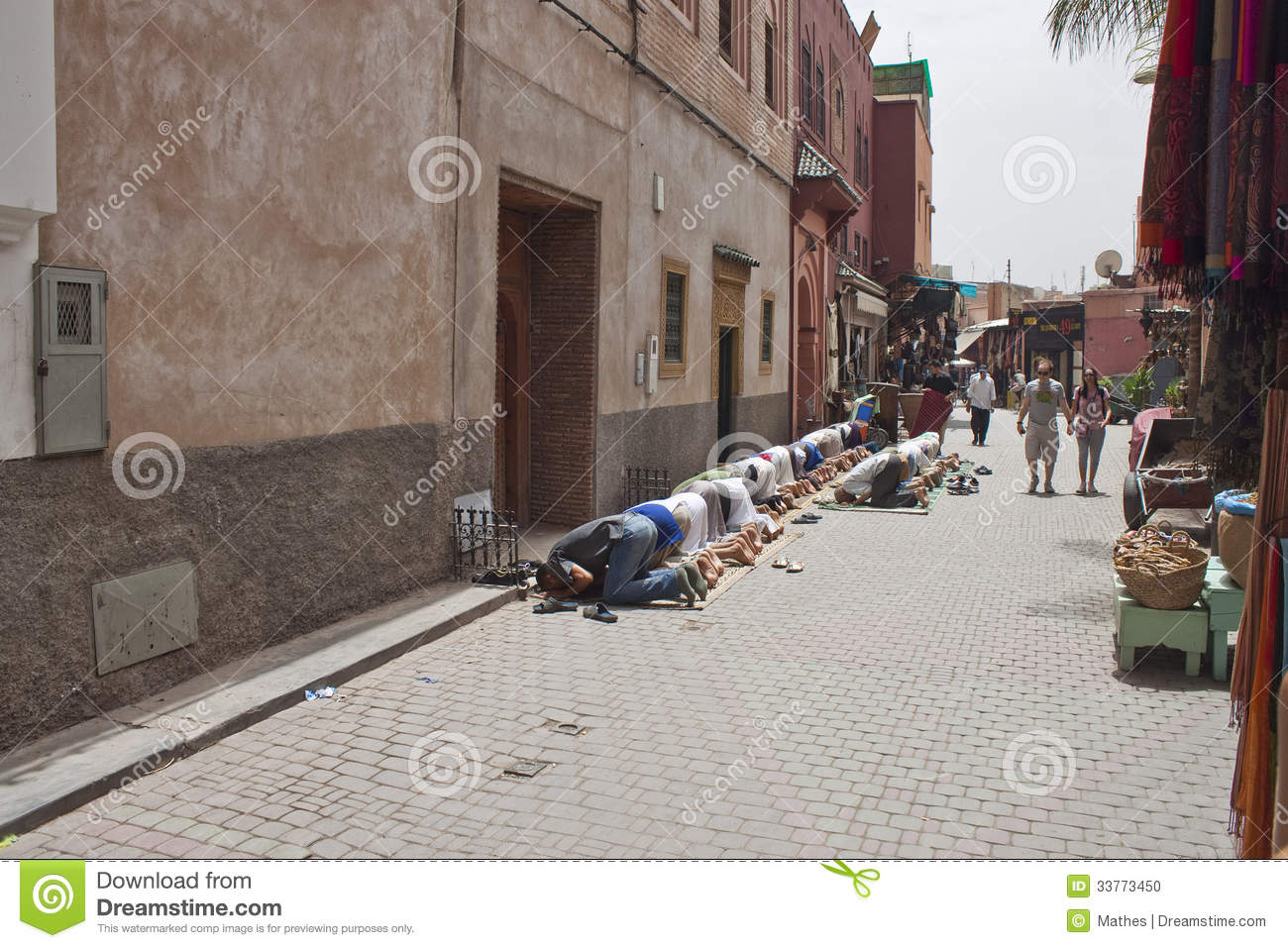 marrakesh muslim The majority of morocco's population lives to tourist center of marrakech the urban population of morocco was 58% of the are suuni muslims.