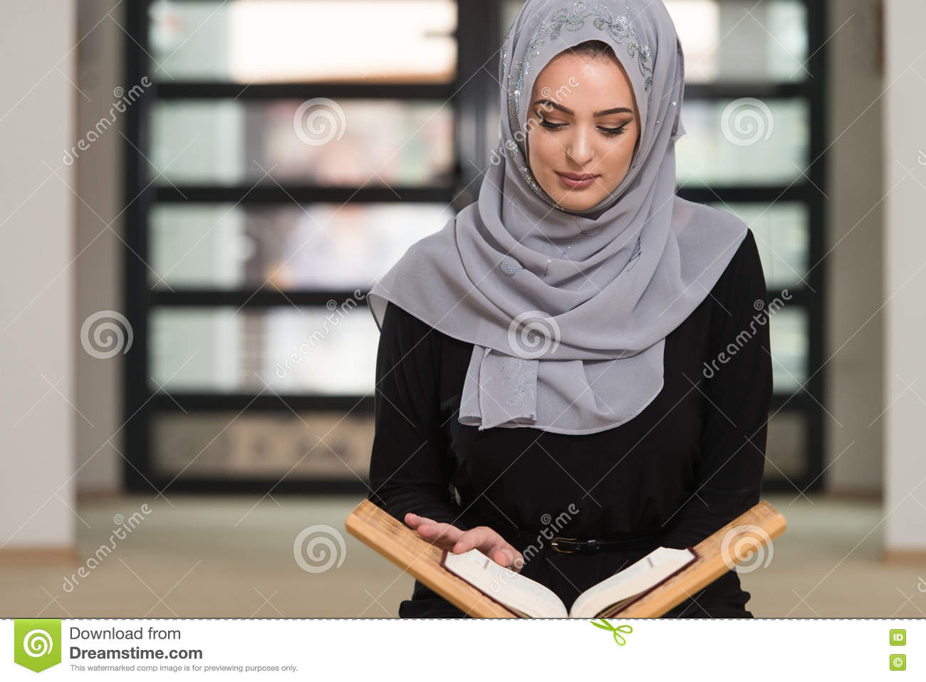 """reading muslim single women 1 list of reading for """"muslim women in contemporary times"""" course fall session 2015 instructor: dr monia mazigh 1st week: introduction - strongly suggested readings:."""