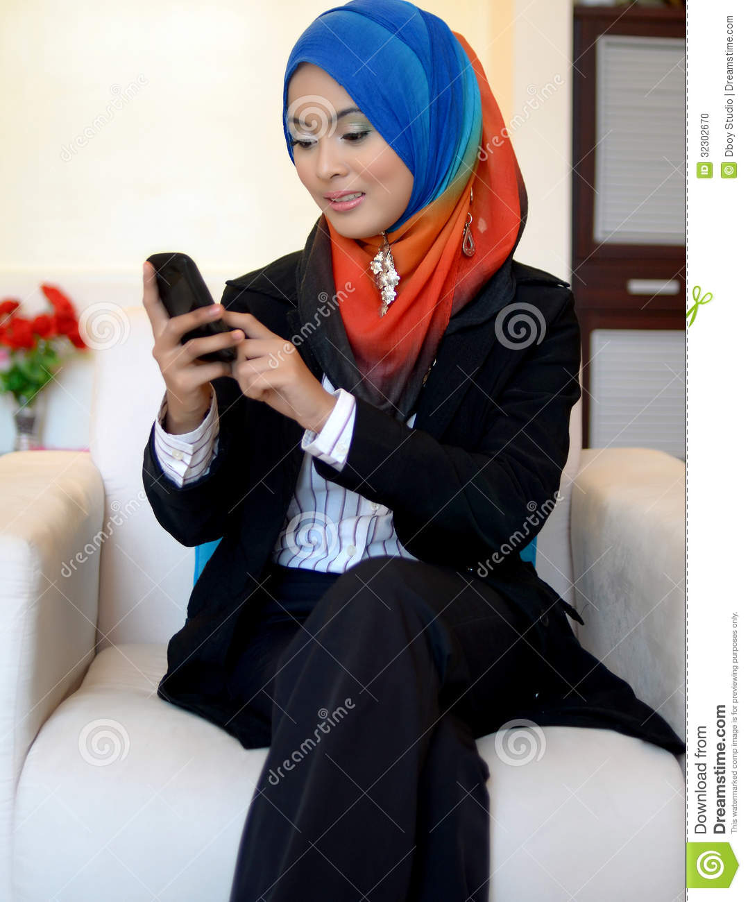 mobile muslim single women Meet and chat beautiful muslim girls and arab women is the largest online community where single muslim girls can find single men compatible for their muslim.
