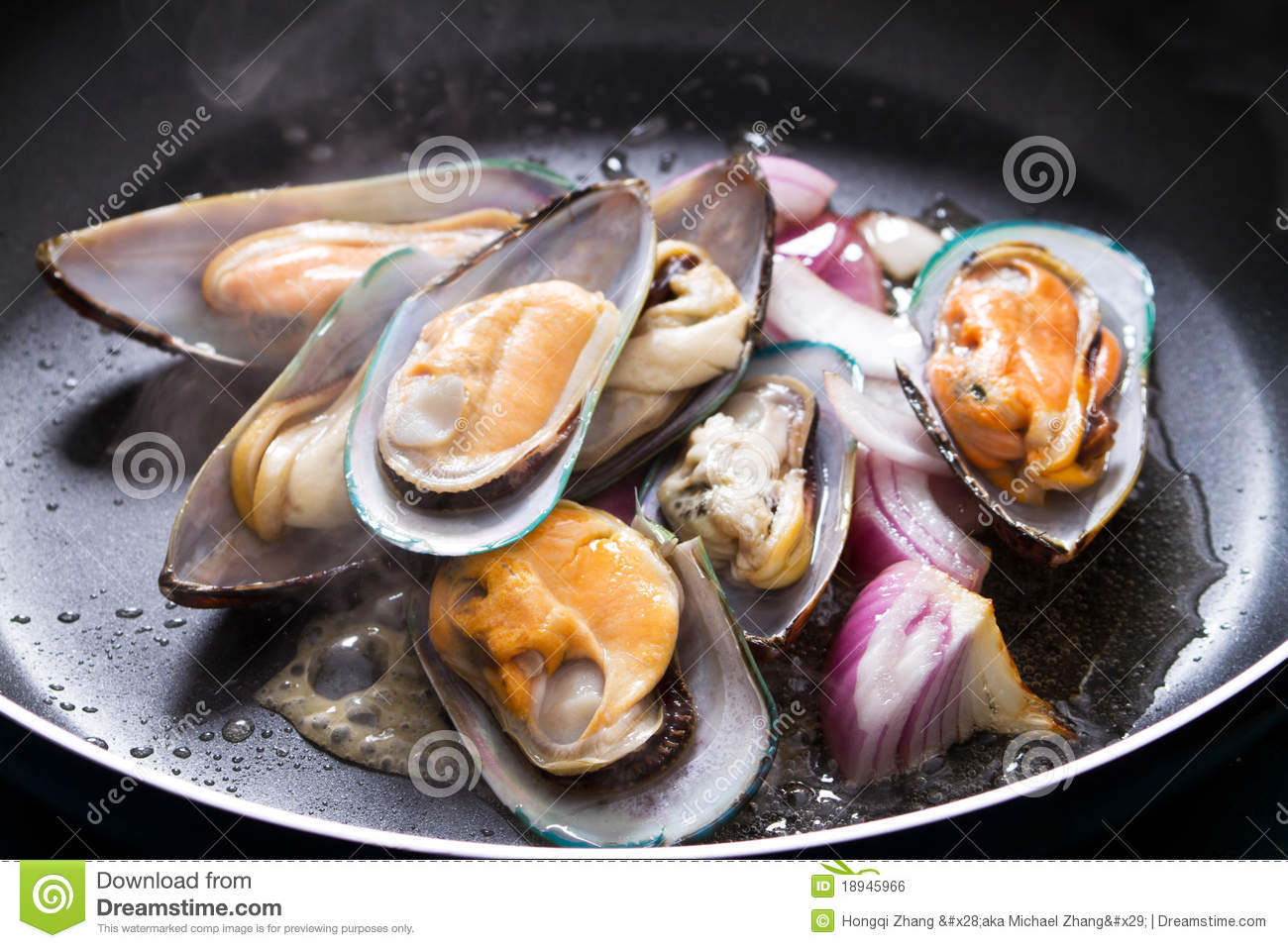 Mussel and onion