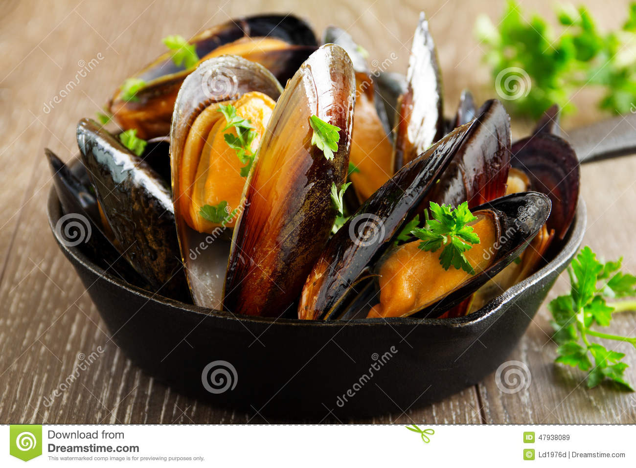 Mussels cooked in wine