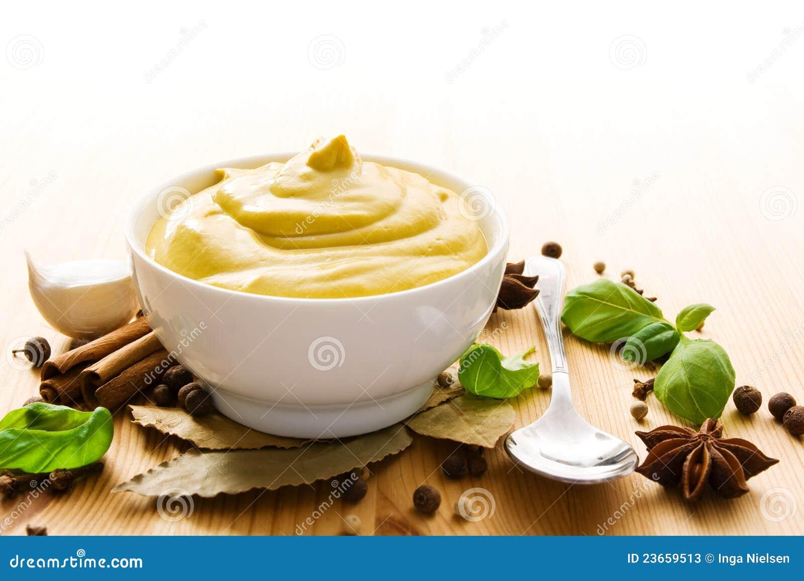 Mustard in bowl