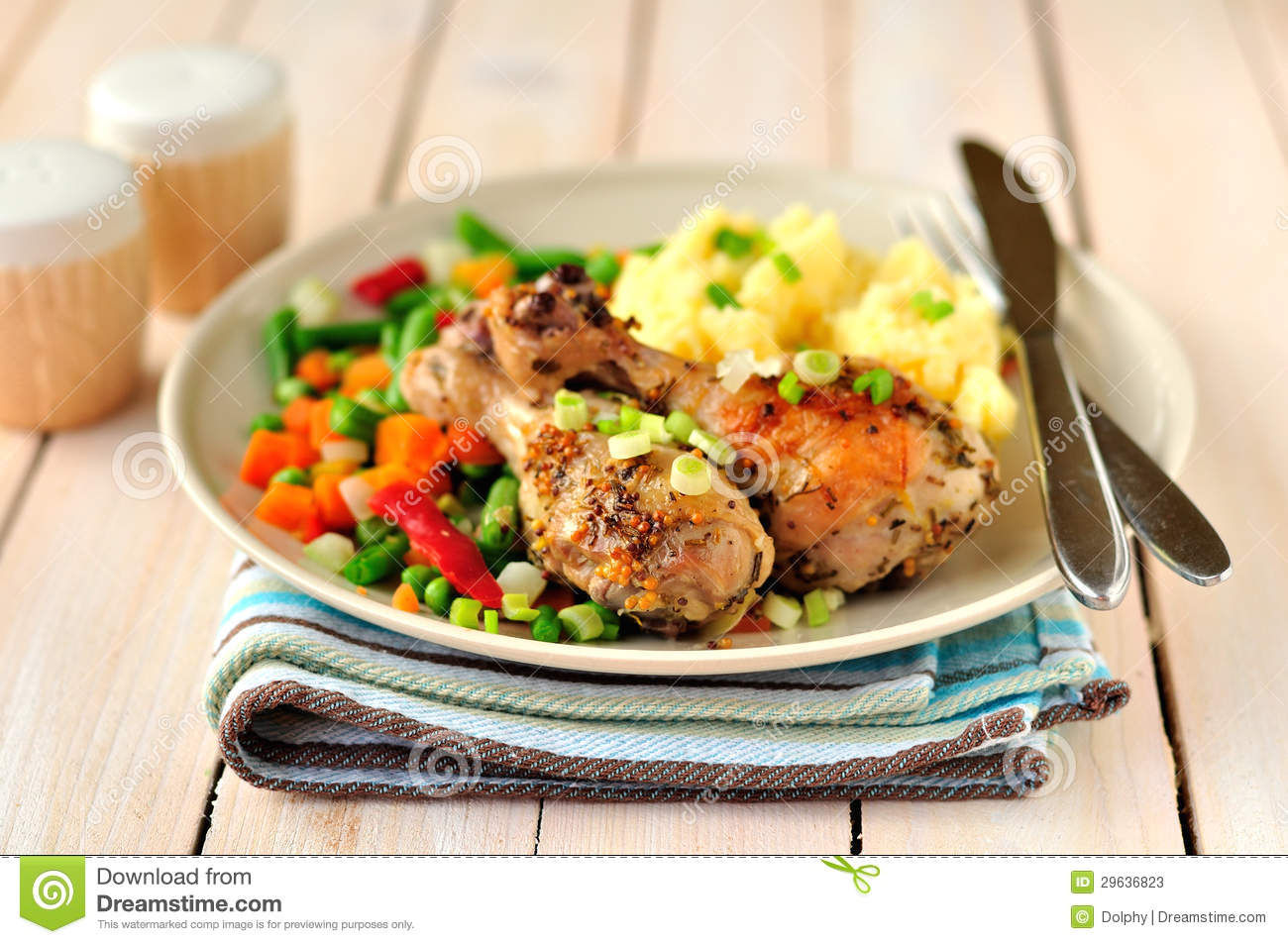 Mustard, lemon and rosemary roast chicken with mashed potatoes and ...