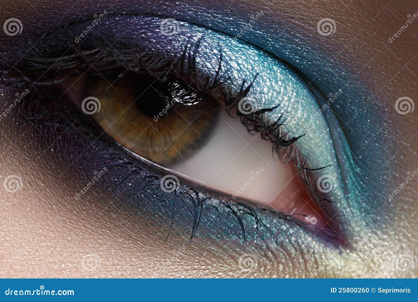 Mustert Kosmetik, Augenschminke. Nahaufnahmeart und weiseverfassung