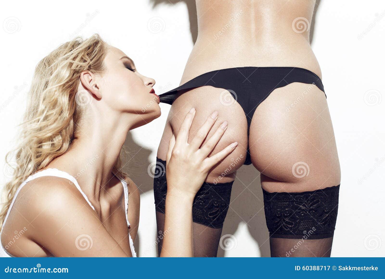 Lesbiche in mutandine pics