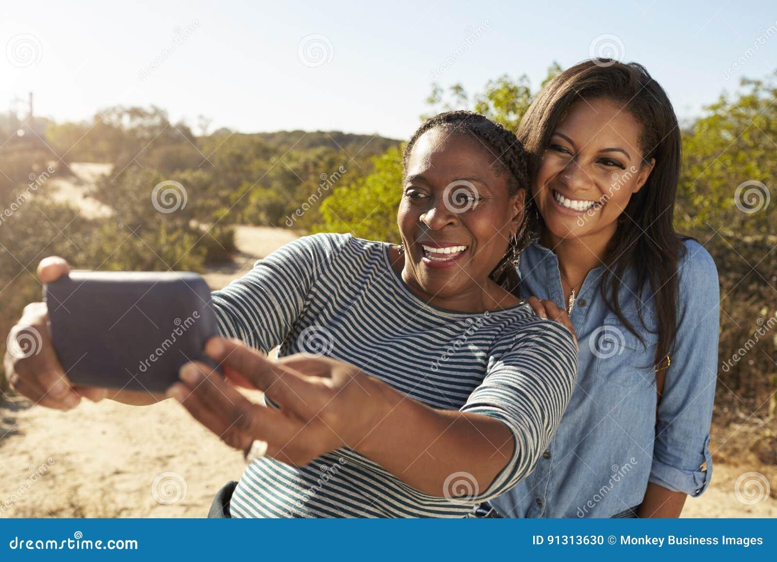 Selfie Mit Deiner Nackten Mutter