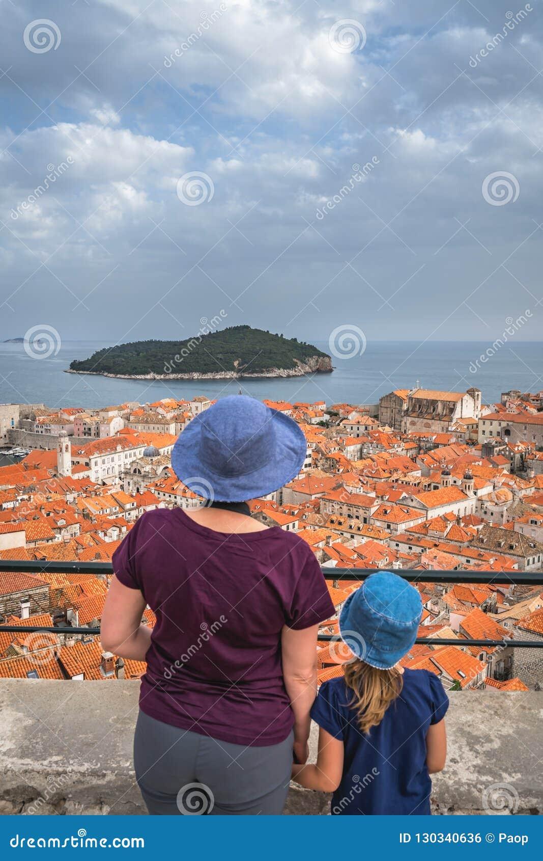 Mutter und Tochter in Dubrovnik