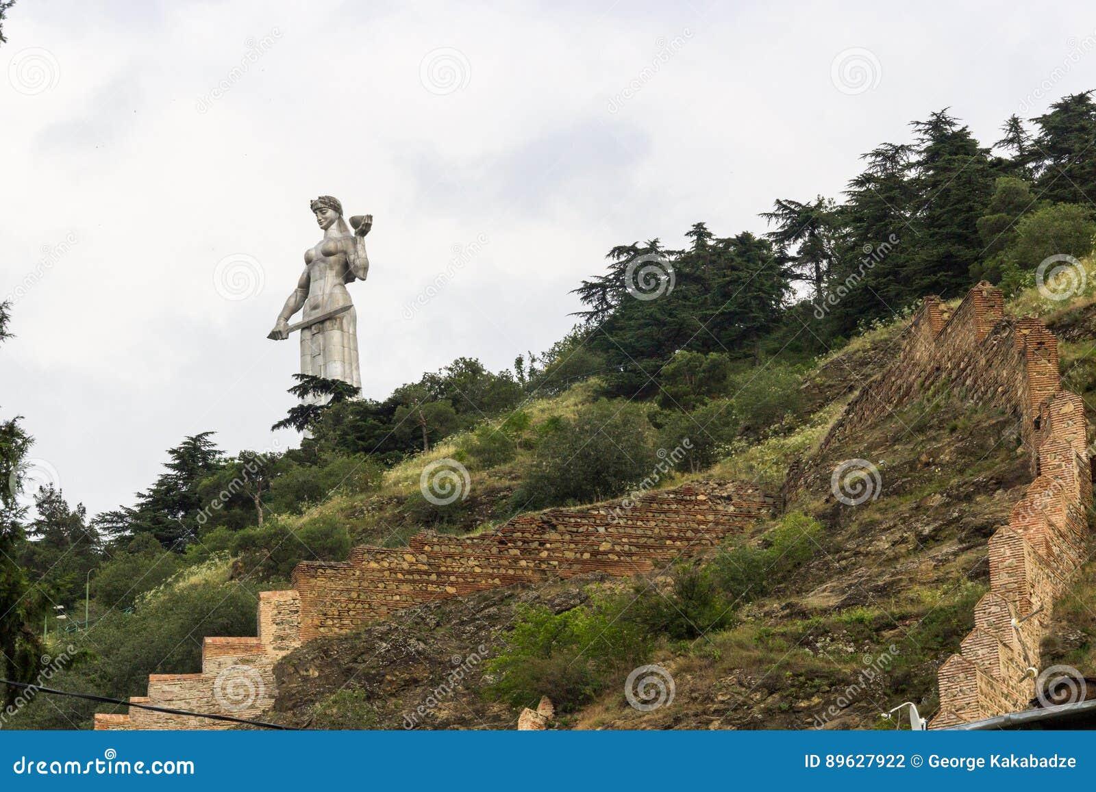 Mutterlands-Mutterstatue Tiflis