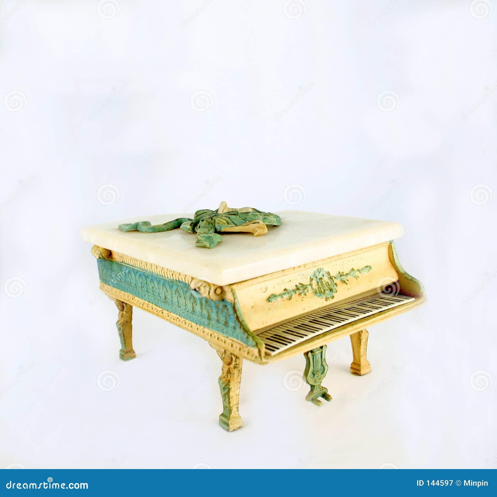 Muzyka pudełko na pianinie