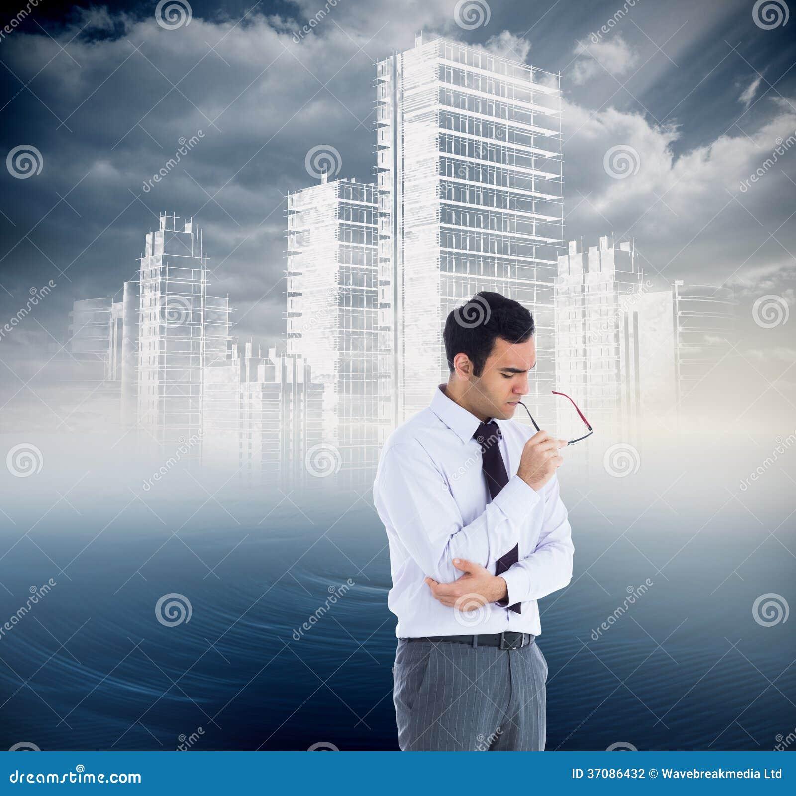 Download Myślący Biznesmen Trzyma Szkła Zdjęcie Stock - Obraz złożonej z ocean, koszula: 37086432