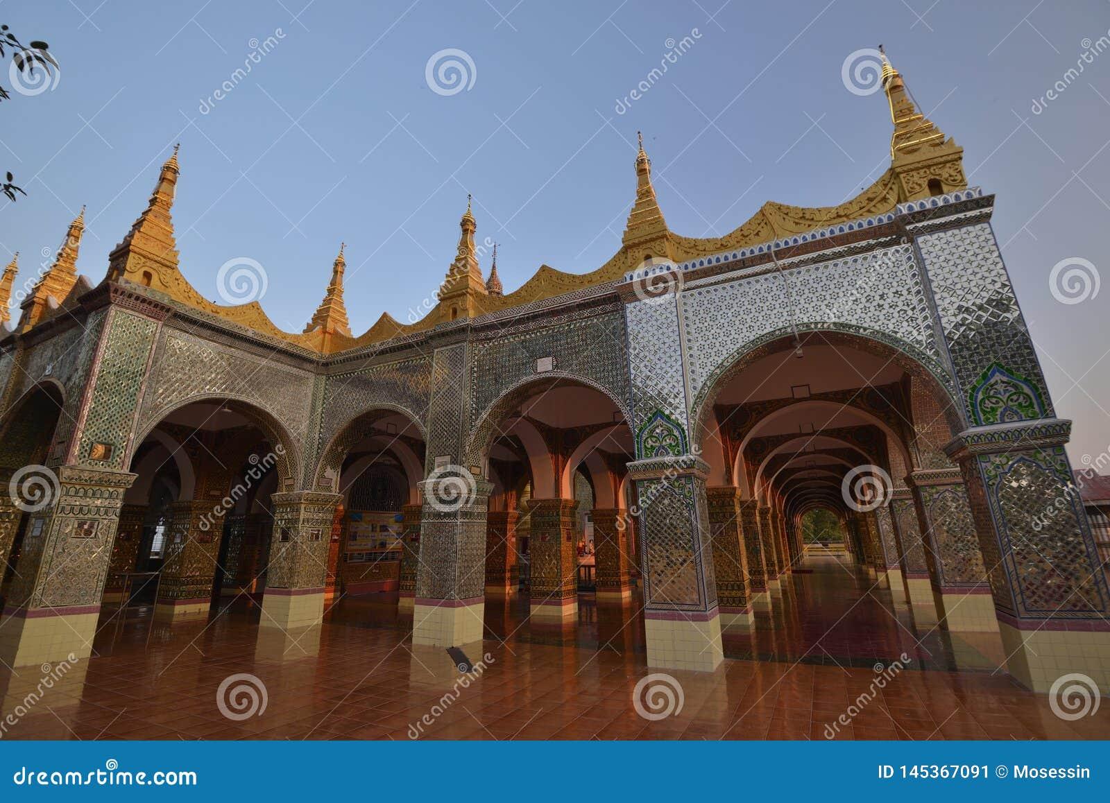 Mandalay Sutaungpye Pagoda