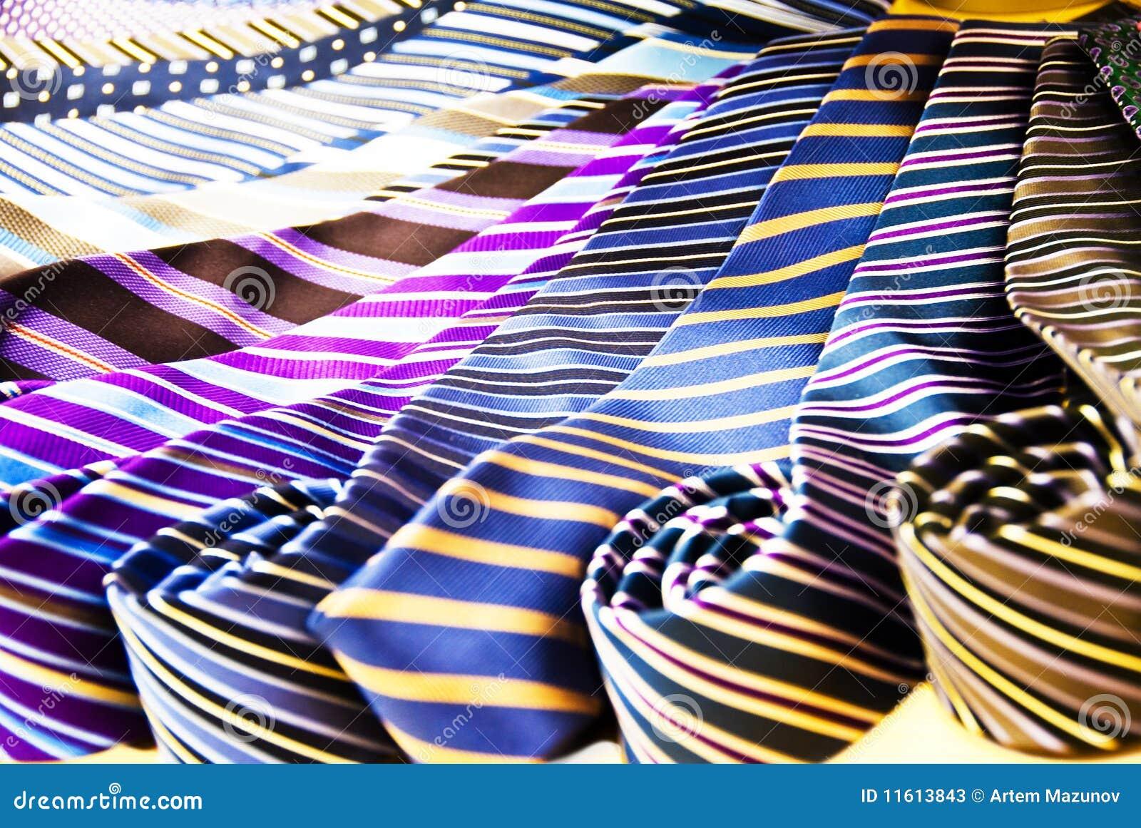 Mycket ties