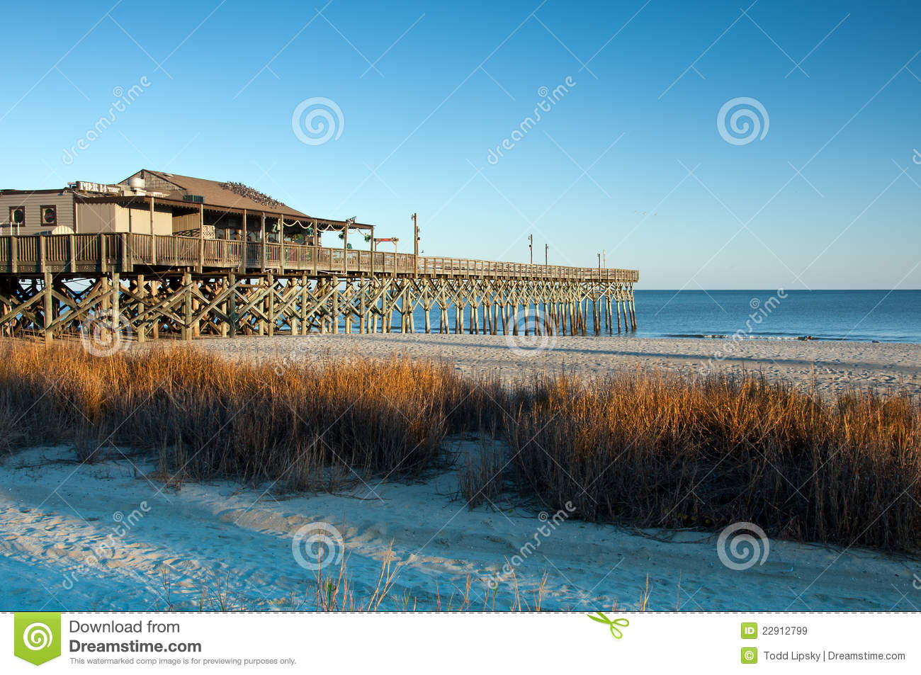 Myrtle beach pier royalty free stock images image 22912799 for Fishing piers in myrtle beach