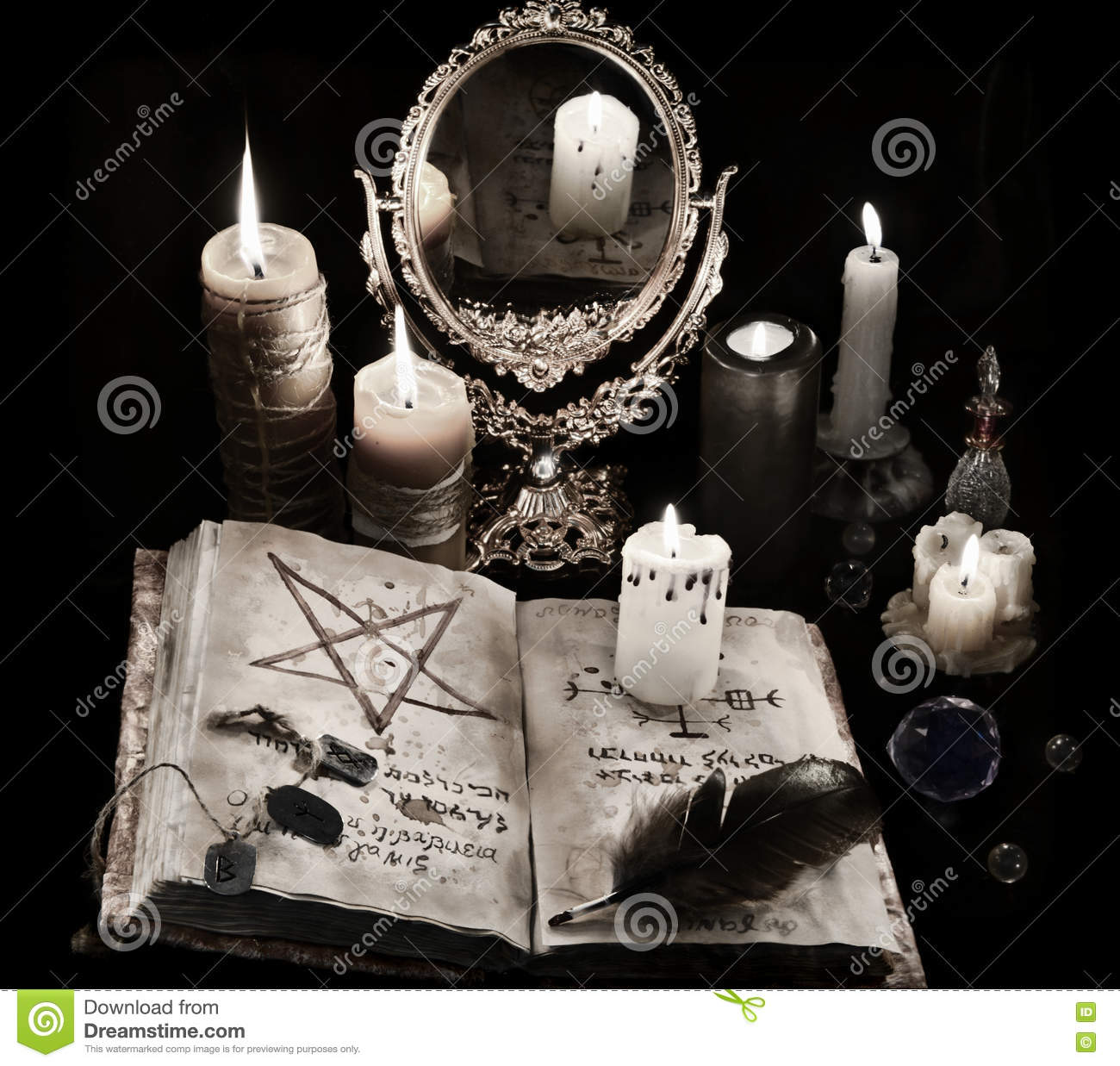 Mystic still life with stone runes and candles stock photography 92211746 - Magia nera con lo specchio ...