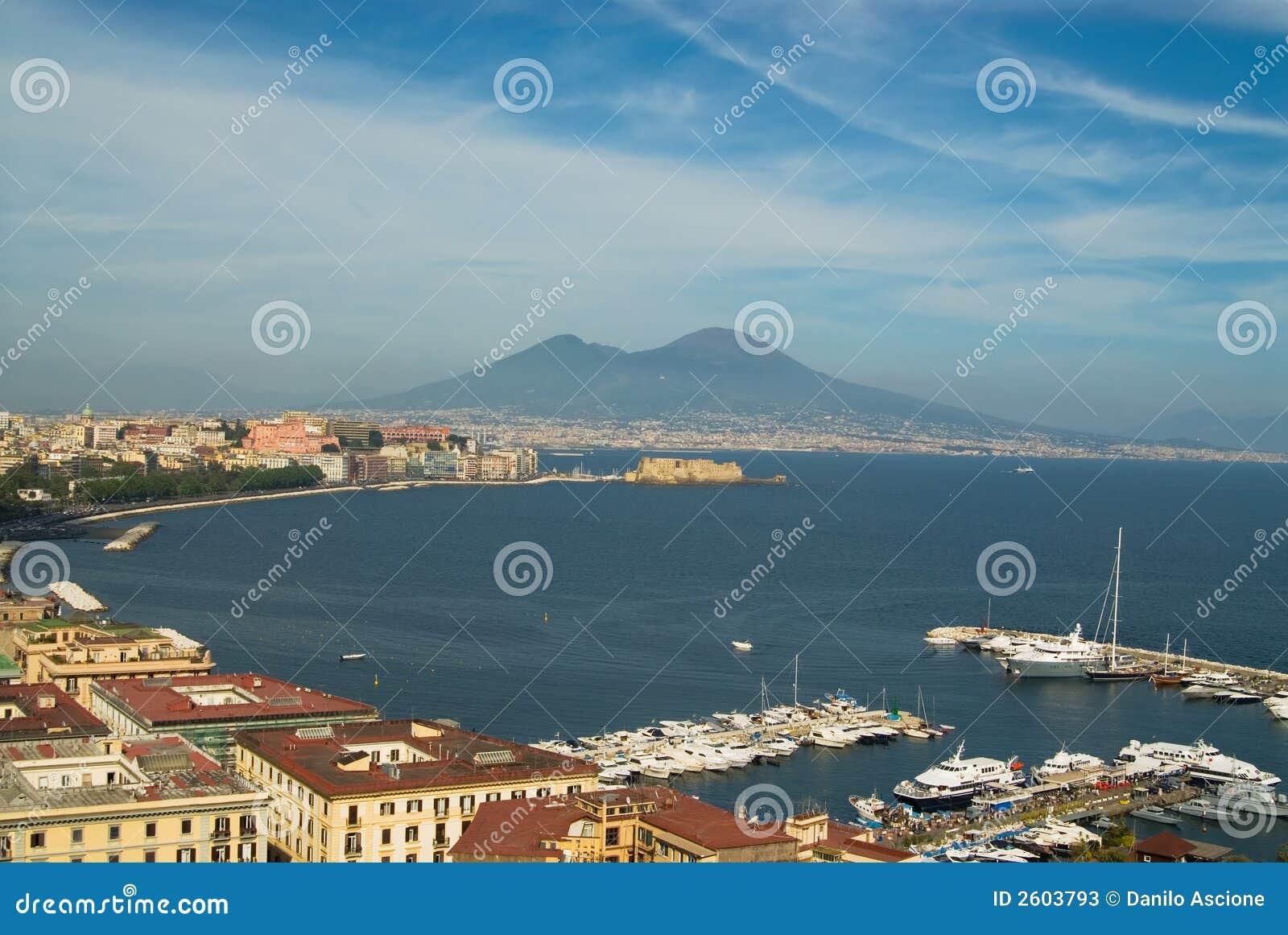 Nápoles e Mt.Vesuvius