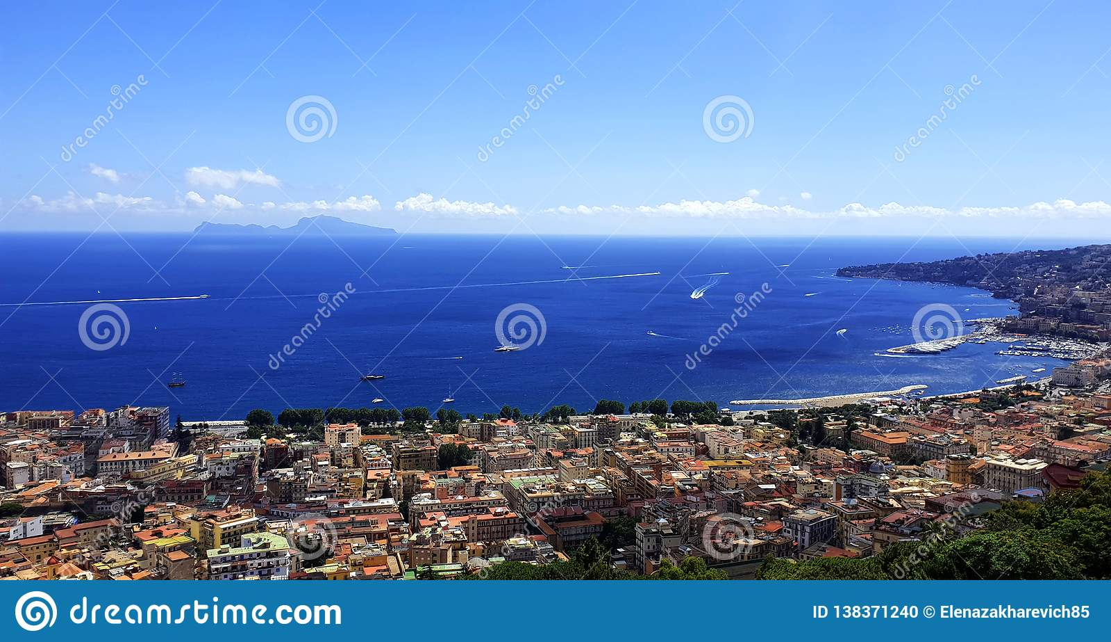 Nápoles Vista do mar Mediterrâneo