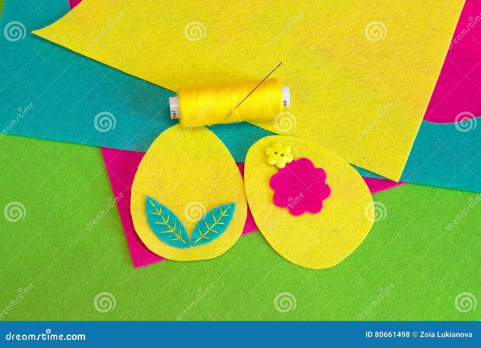 Nahen Der Filz Ostereier Mit Blume Farbiges Gewinde Bunte
