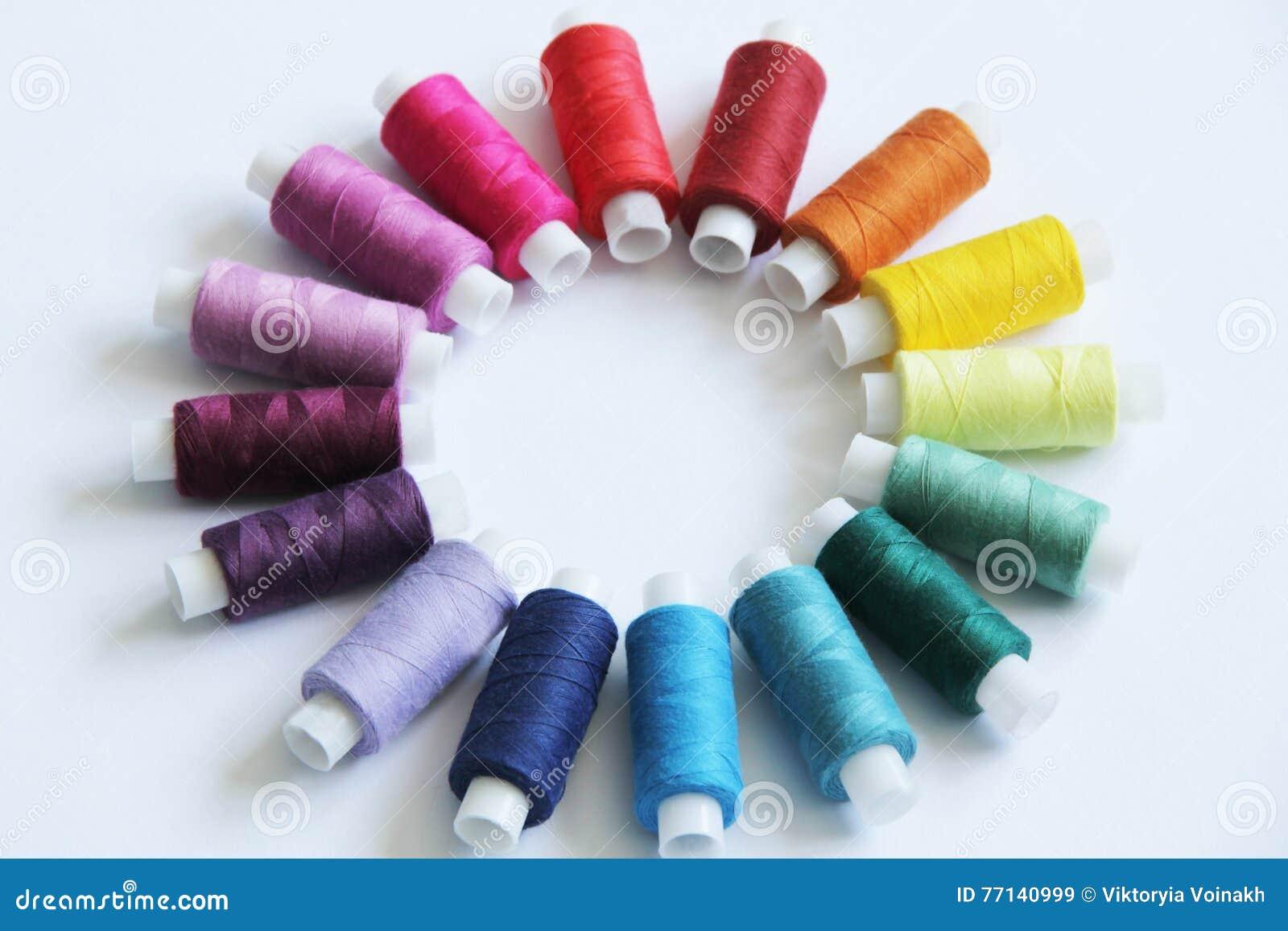 Nähende farbige Threads