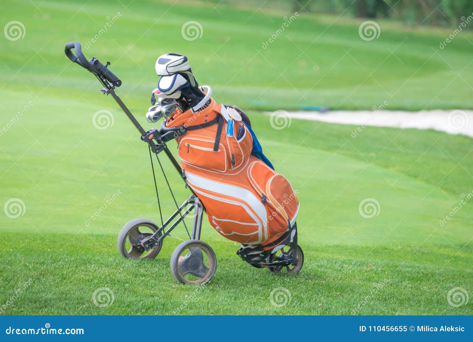 Nära övre för för golfpåse och trundler