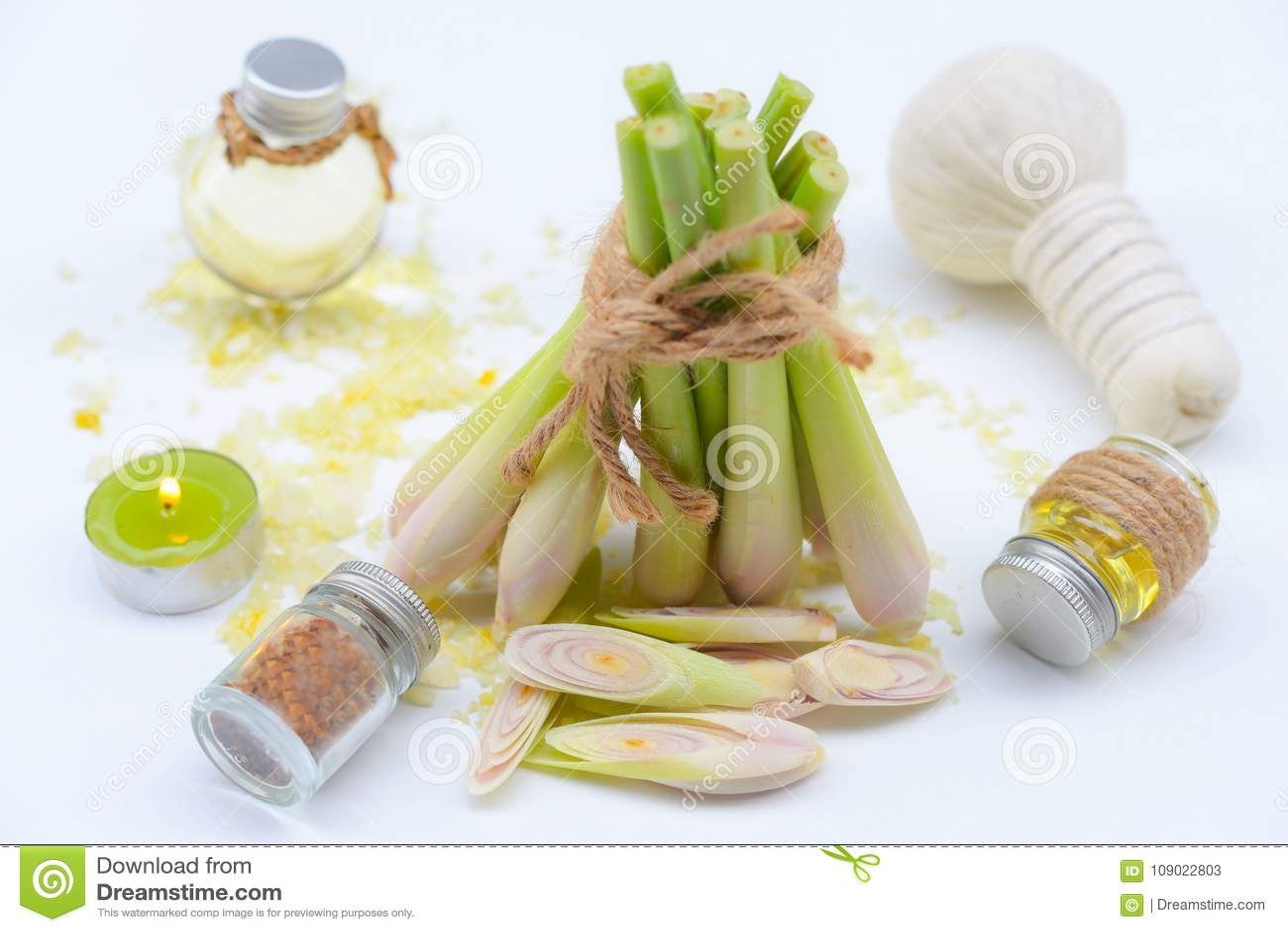 Nödvändig olja för Lemongrass med Aromatherapy