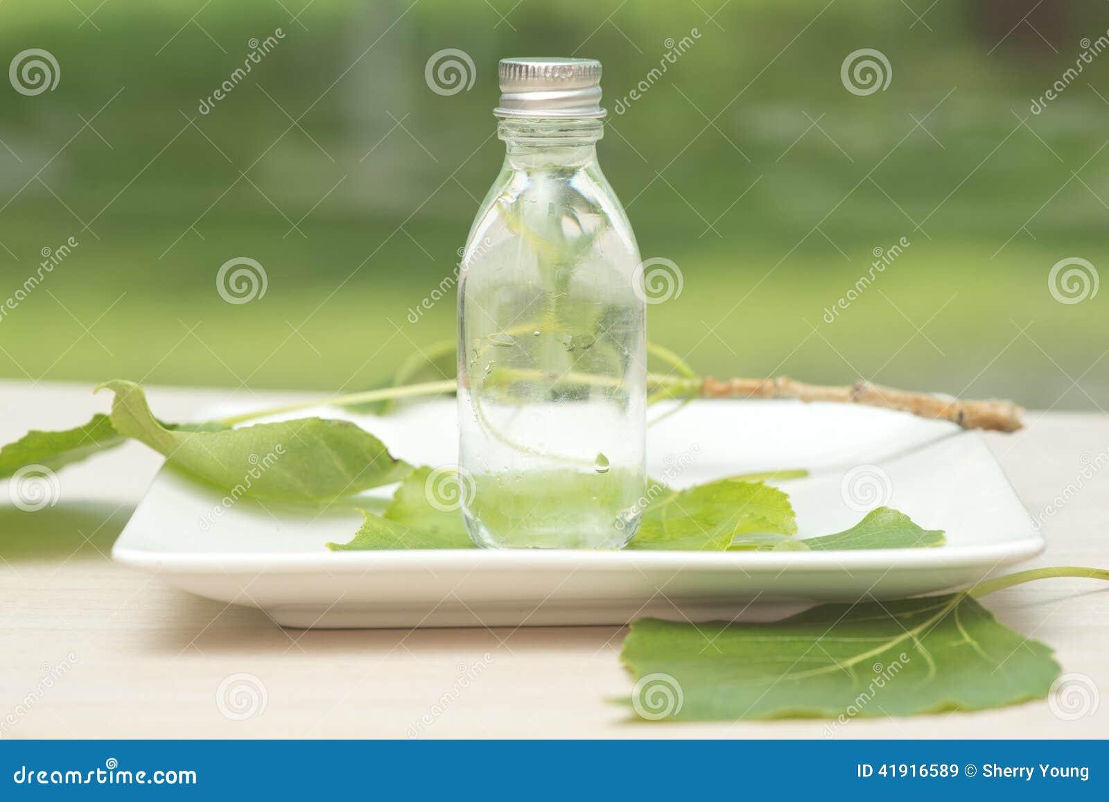 Nödvändig olje- flaska