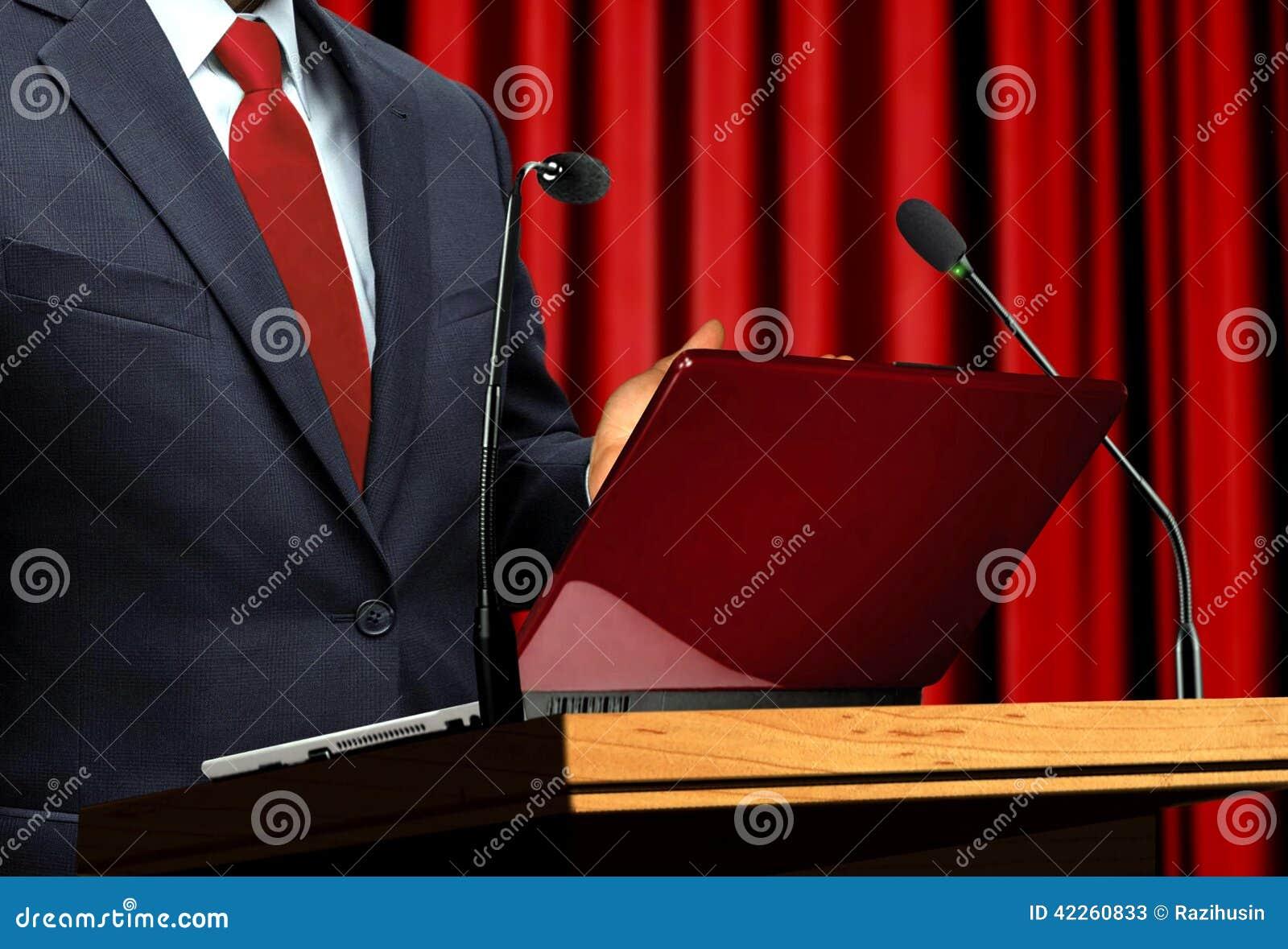 Na apresentação do seminário