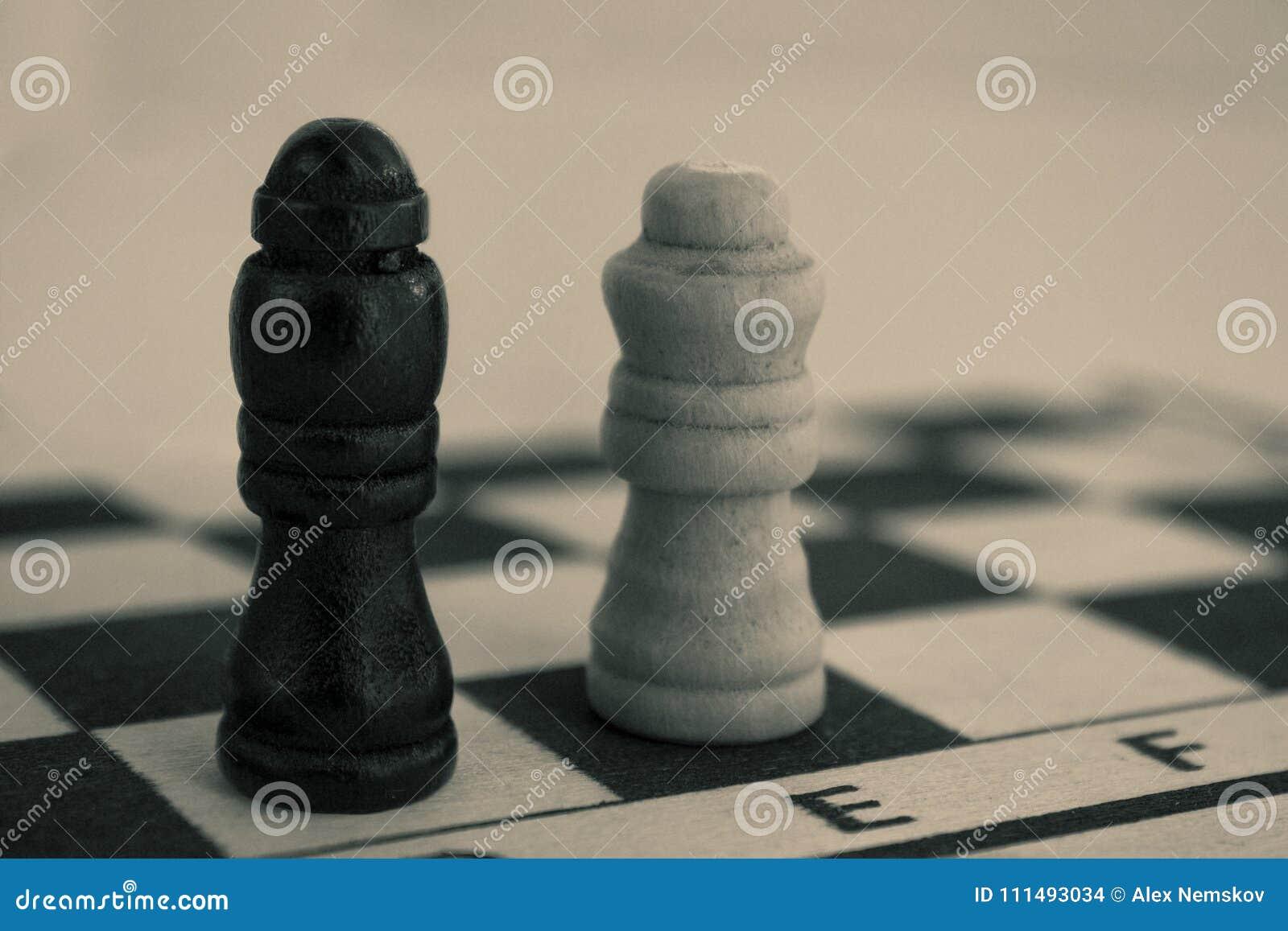 Na desce szachowi kawałki