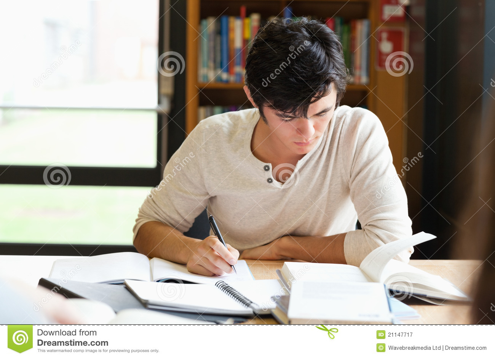 Na eseju męski studencki działanie