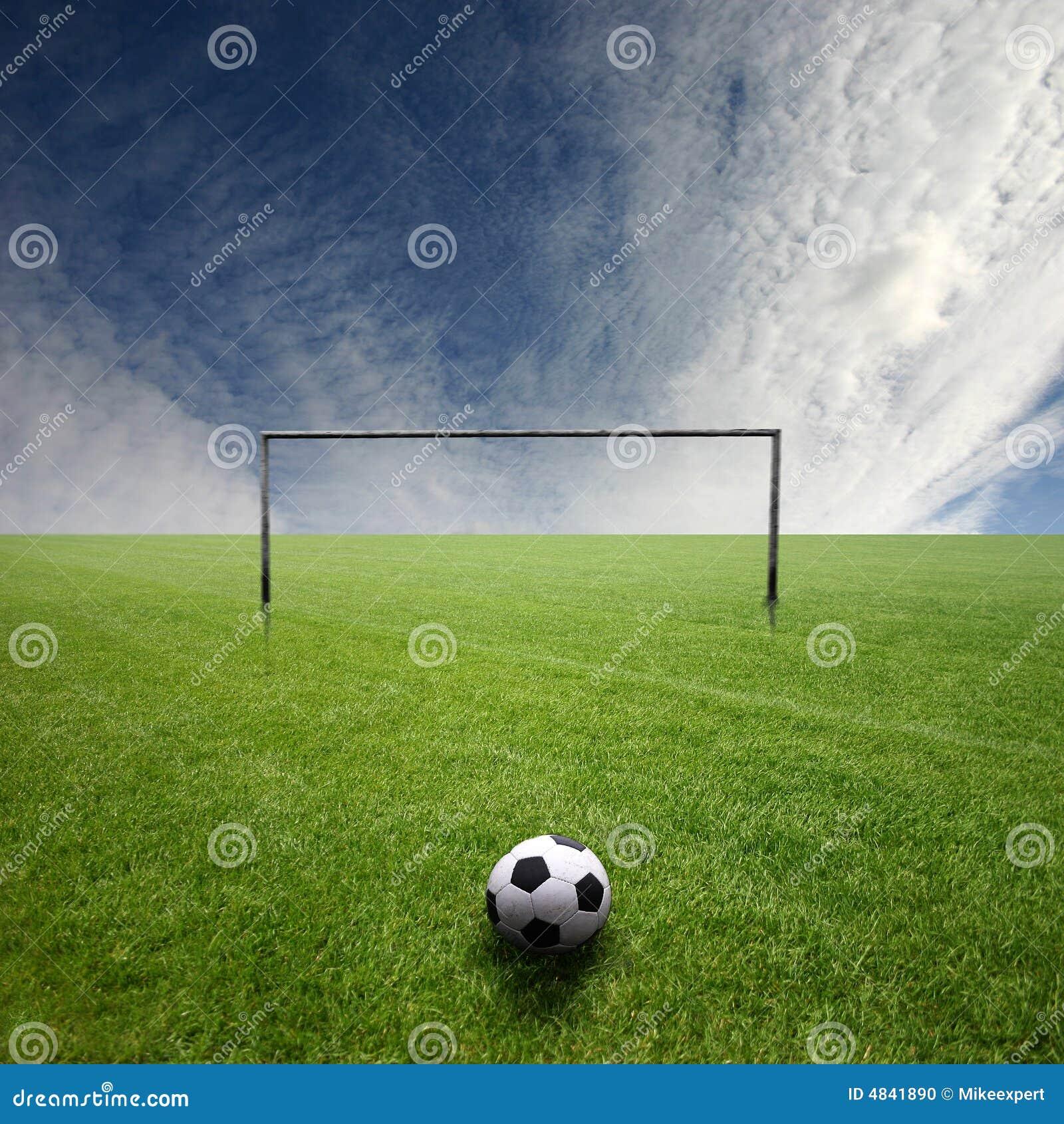 Na futbolu smoły