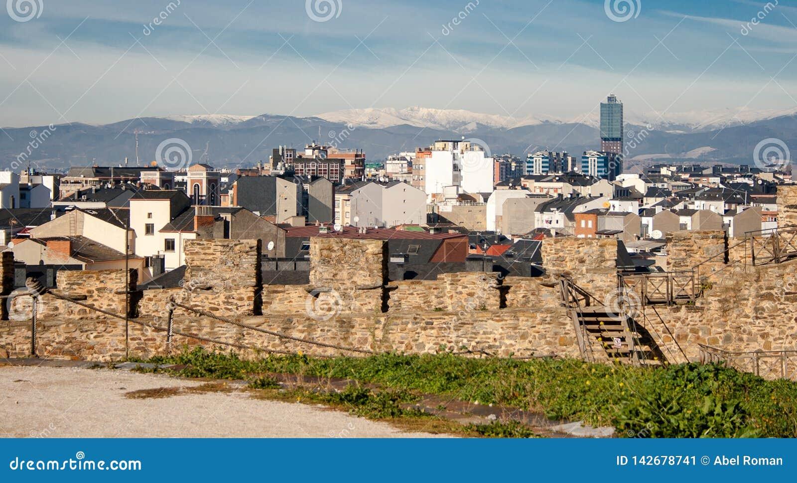 Na 800 jaar, Ponferrada