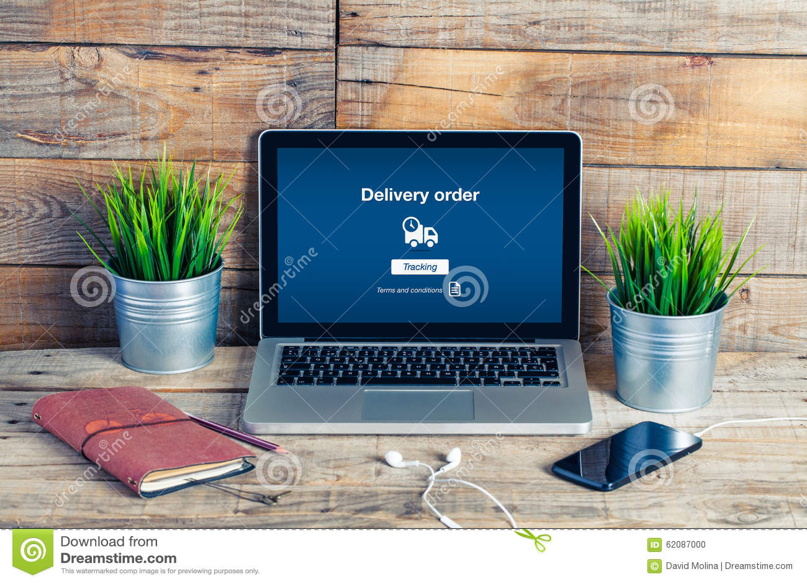 Na kreskowym Doręczeniowego rozkazu tekscie w laptopu ekranie opracowane do domu żywy wewnętrznego styl retro pokoju