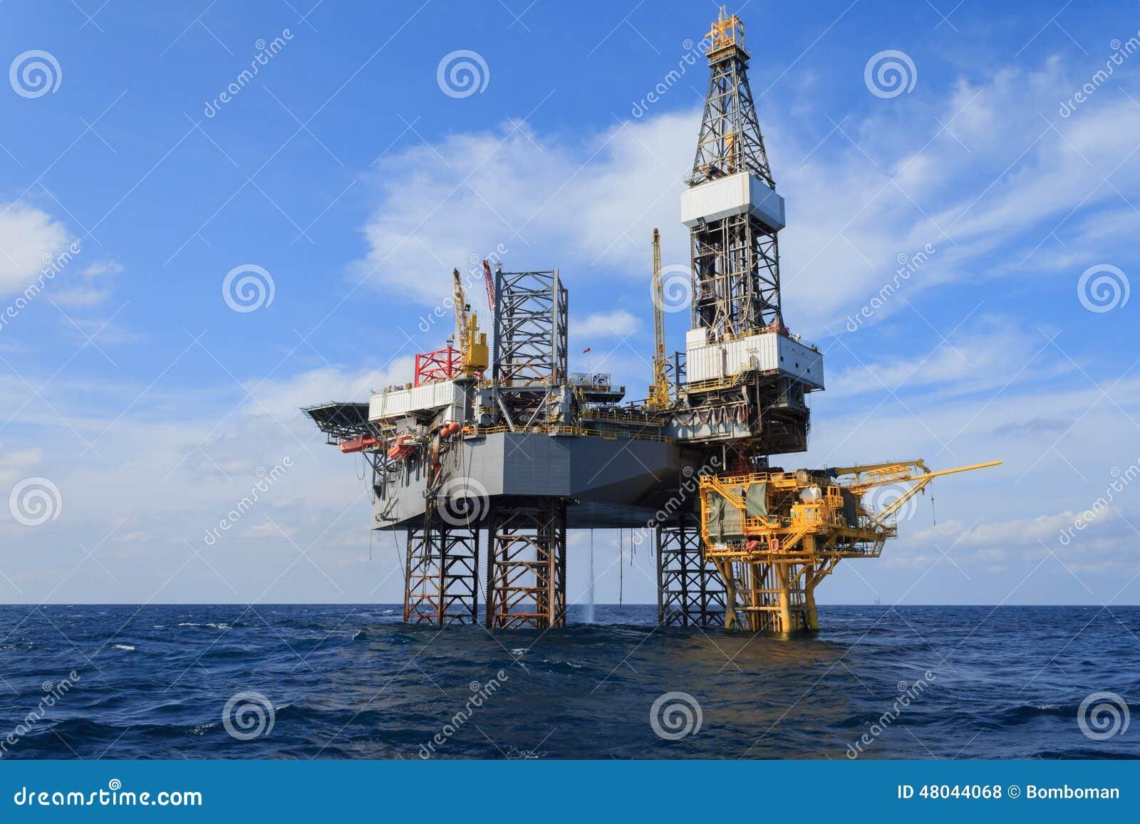 Na morzu Jack Up Wiertniczy takielunek Nad produkci platformą