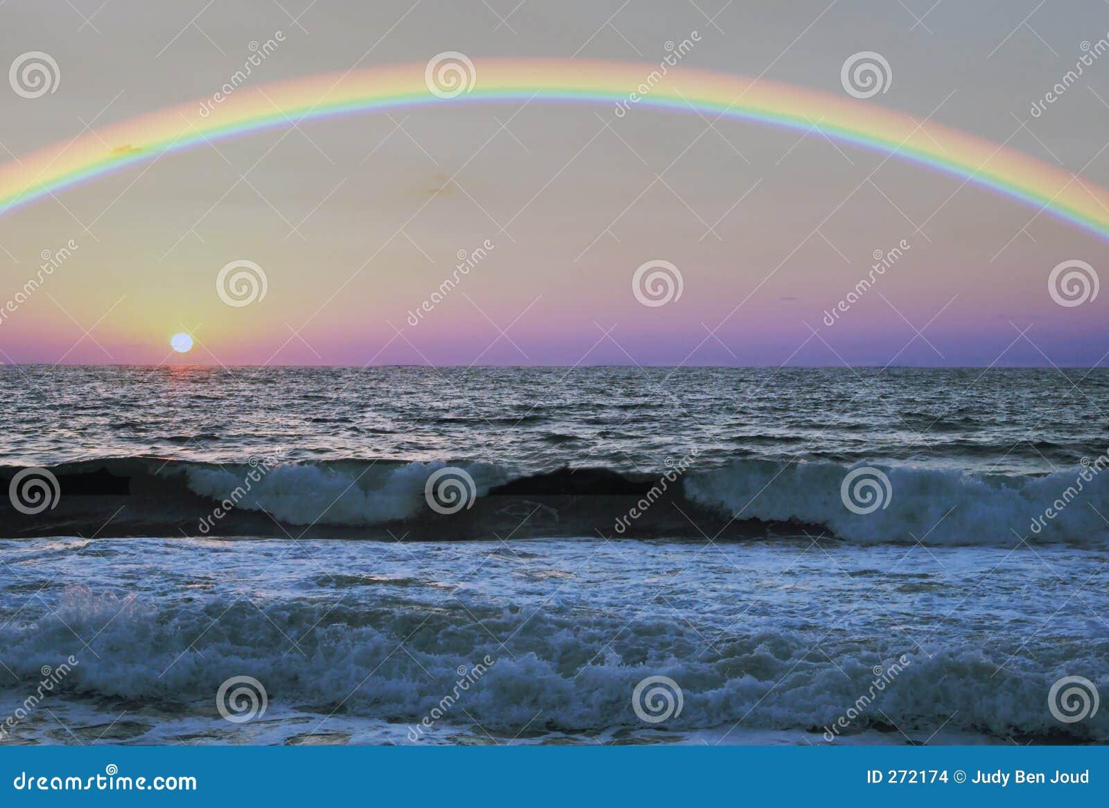 Na morzu tęczy