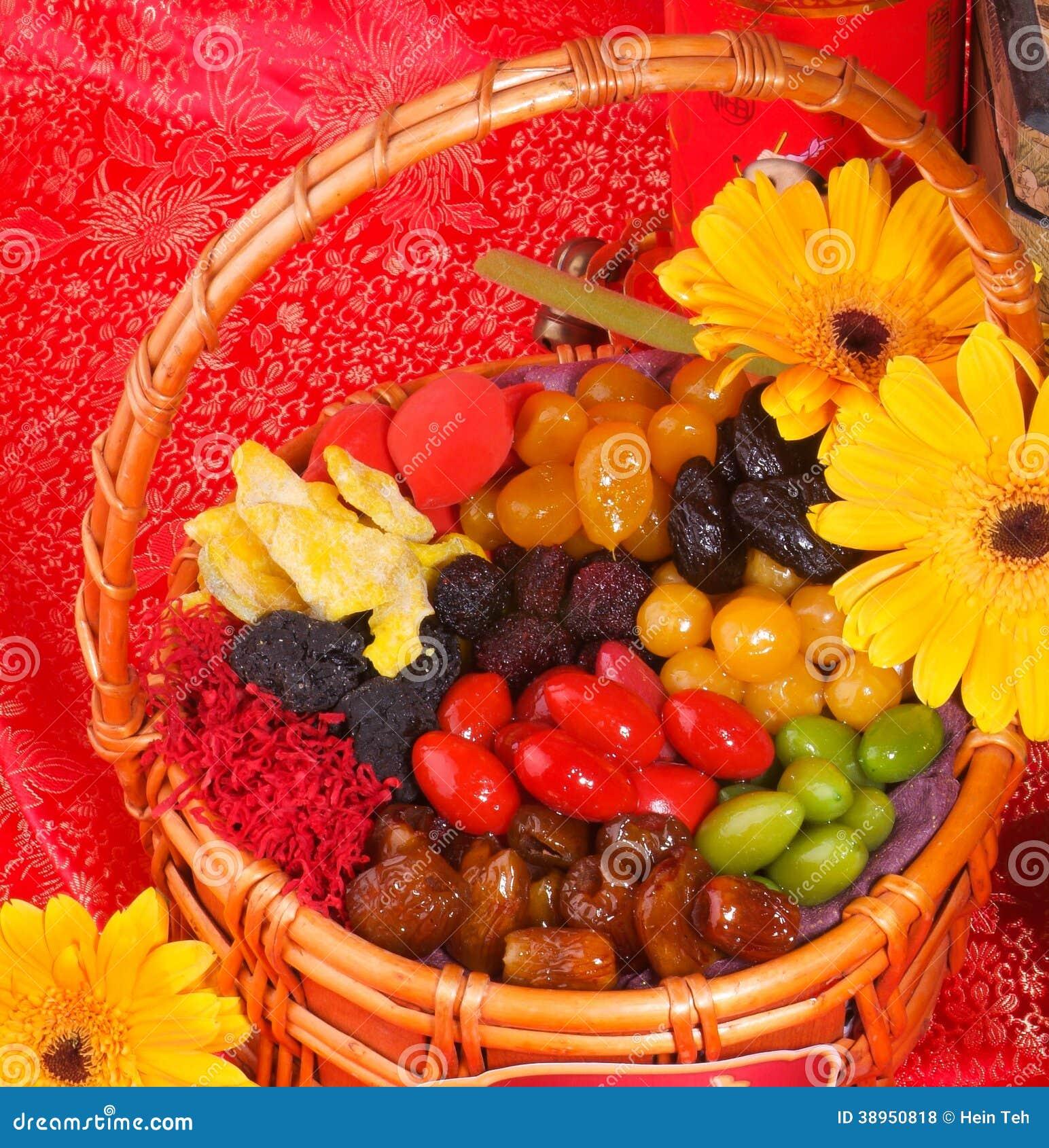 Na nowego roku chińskim tle wysuszone owoc