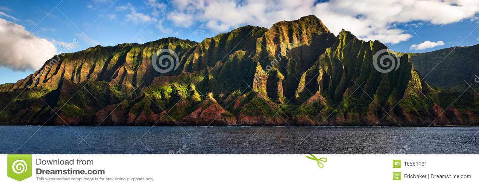 Na Pali Coast located on Kauai, Hawaii