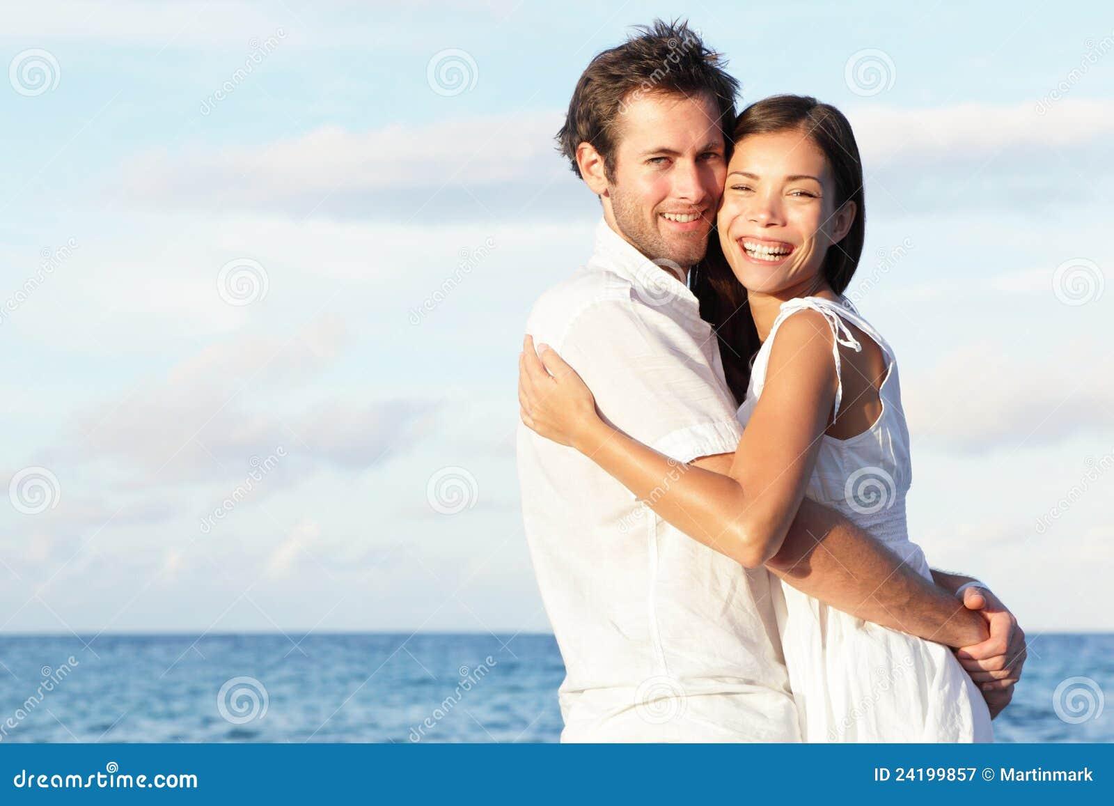 Na plaży potomstwo szczęśliwa para