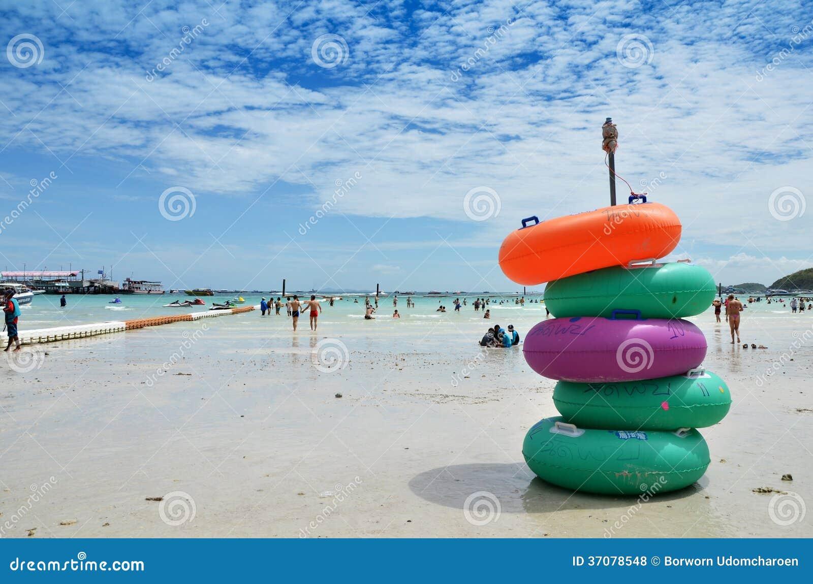 Download Na plaży zdjęcie stock editorial. Obraz złożonej z plaża - 37078548