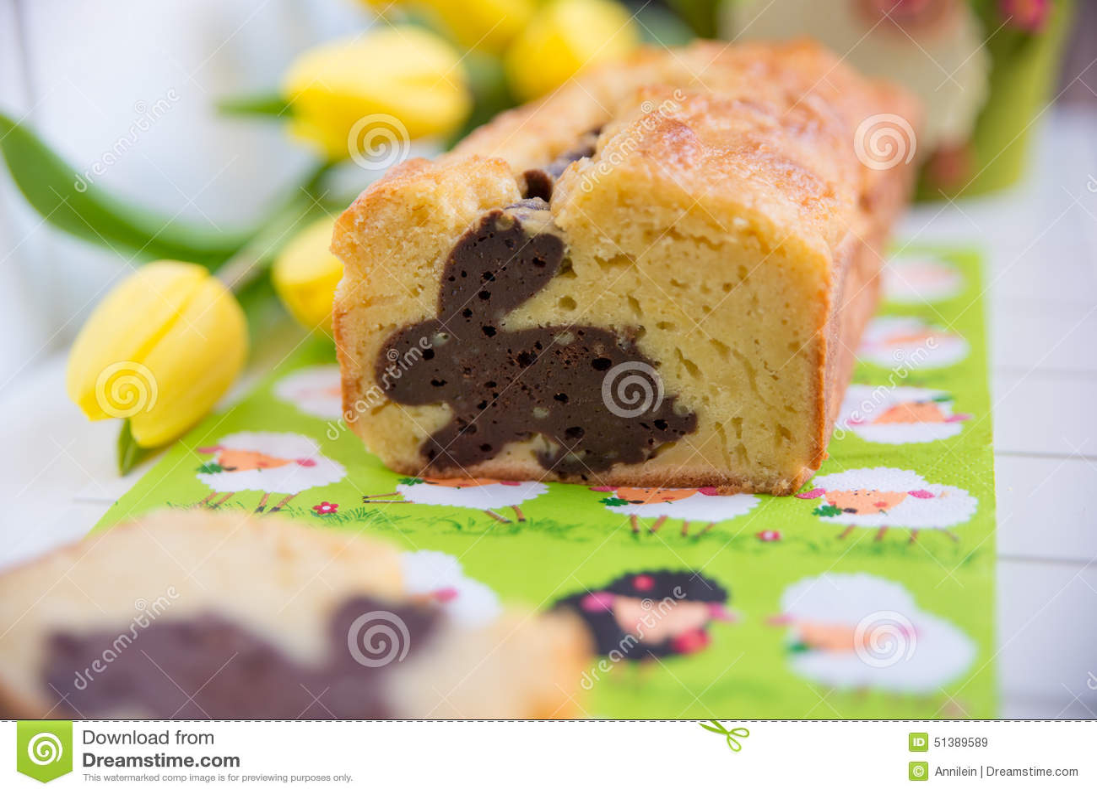 Naar huis gemaakte Pasen Bunny Cake