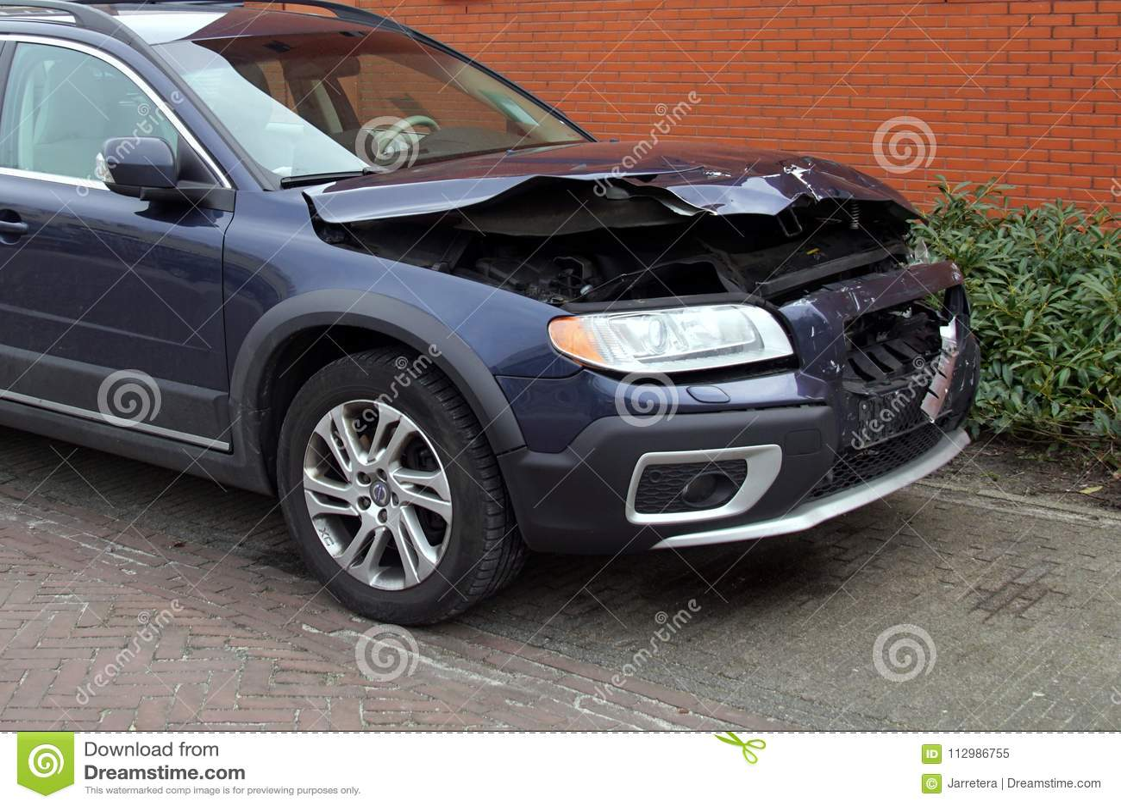Damaged Volvo v70 after a collision