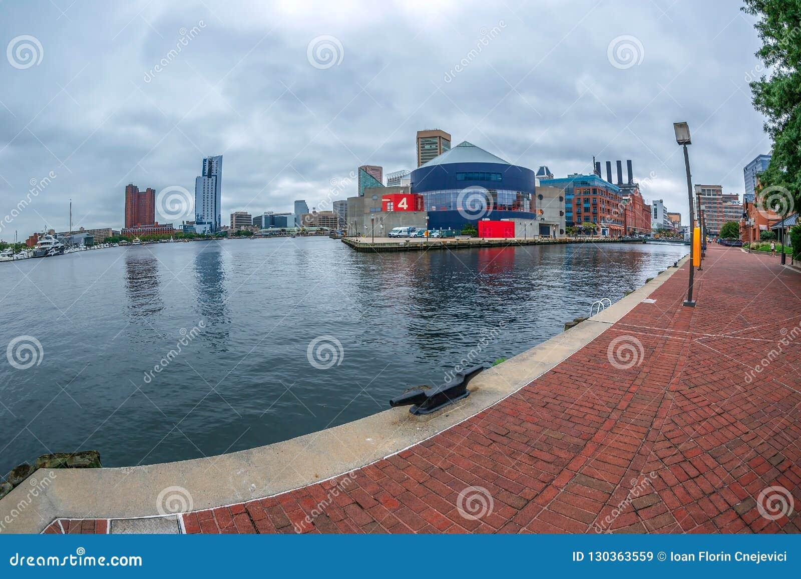 Nabrzeże deptak przy Wewnętrznym schronieniem, Baltimore, usa